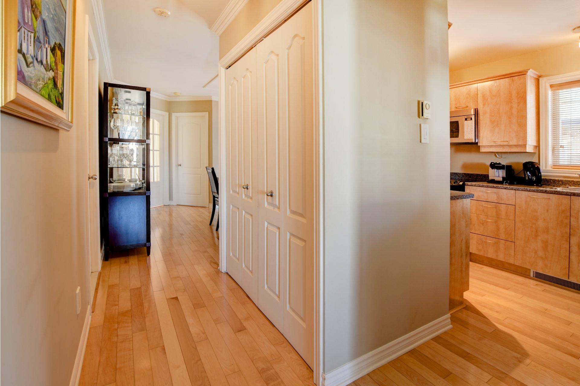 image 5 - Appartement À vendre Chomedey Laval  - 7 pièces