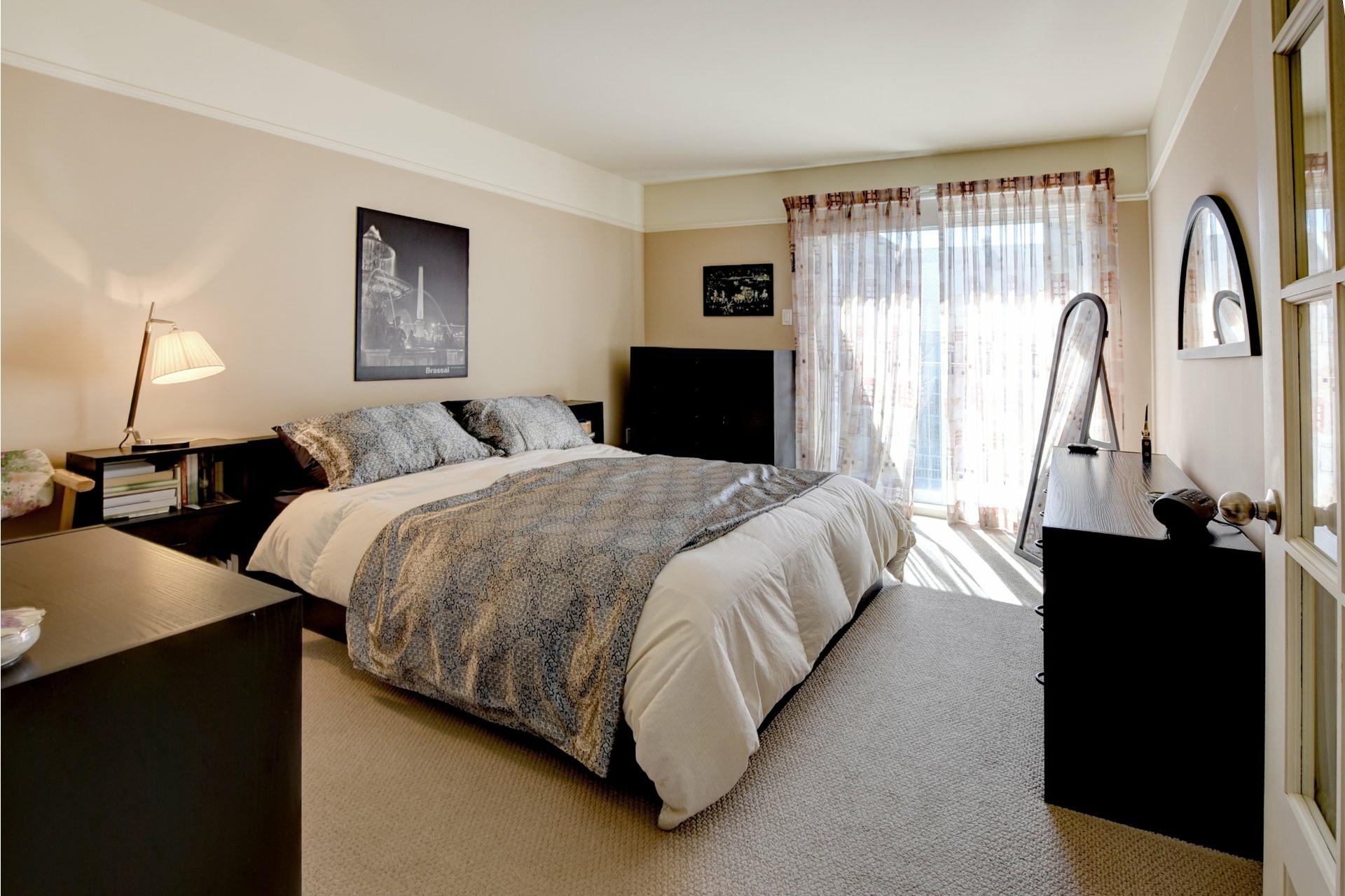 image 11 - Appartement À vendre Chomedey Laval  - 7 pièces