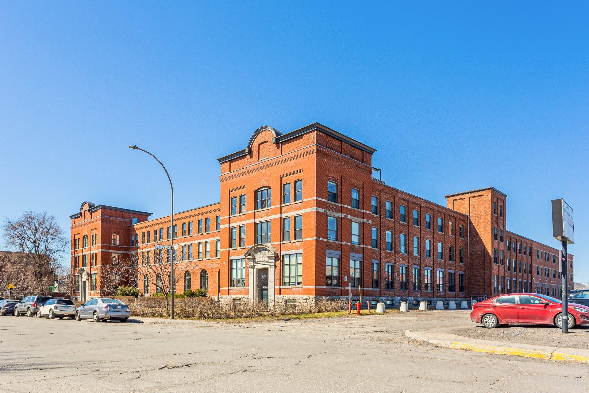image 0 - Apartment For rent Mercier/Hochelaga-Maisonneuve Montréal  - 6 rooms
