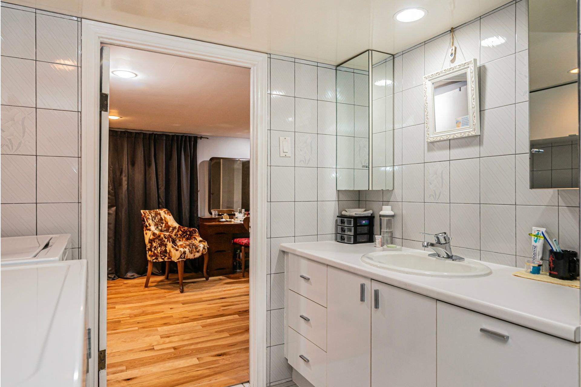 image 20 - Maison À vendre LaSalle Montréal  - 7 pièces