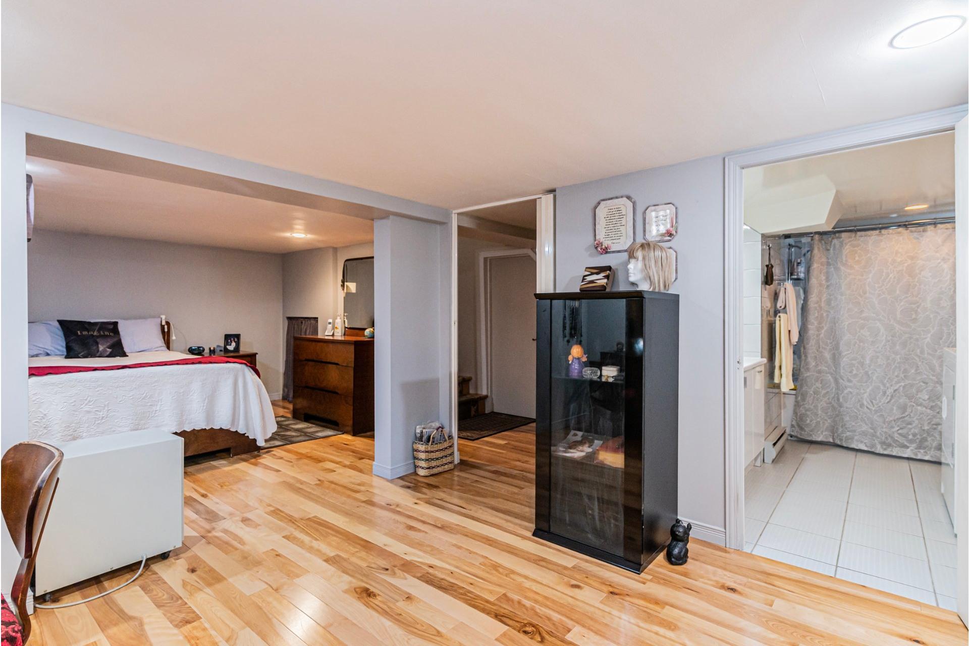 image 19 - Maison À vendre LaSalle Montréal  - 7 pièces