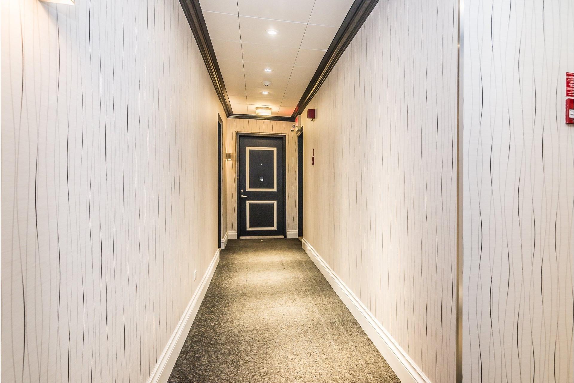 image 2 - Appartement À louer Westmount - 7 pièces