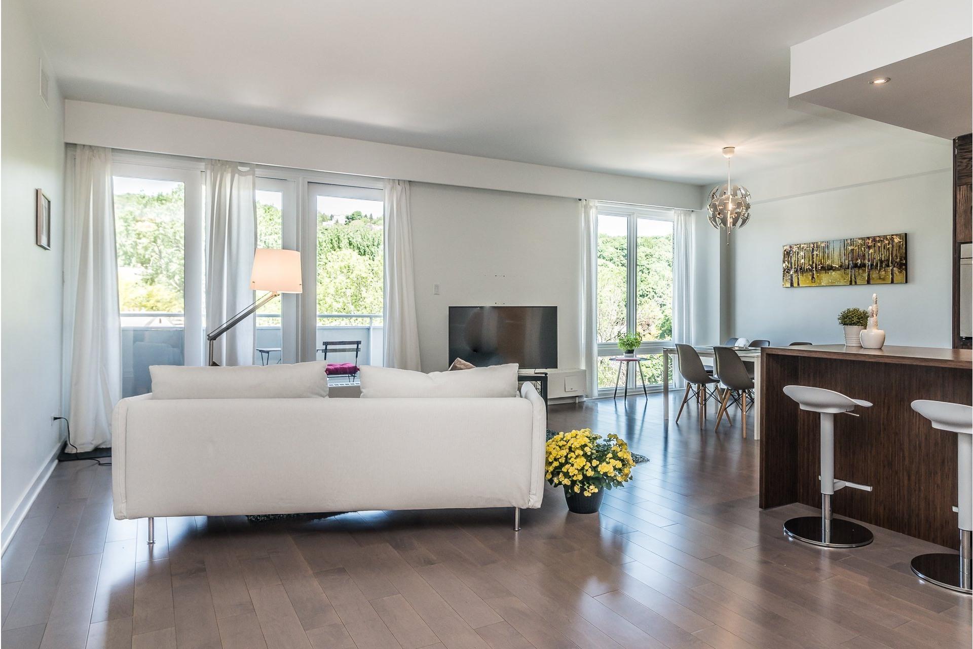 image 0 - Appartement À louer Westmount - 7 pièces