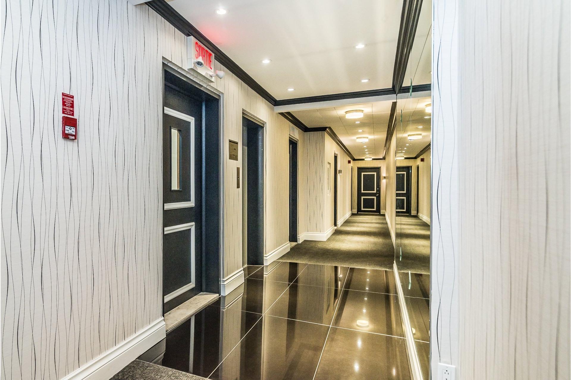 image 31 - Appartement À louer Westmount - 7 pièces