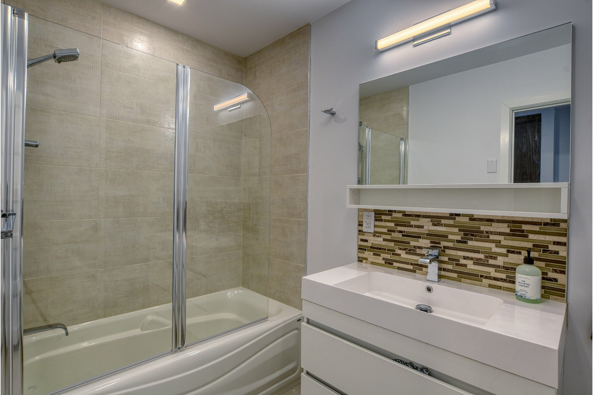image 8 - Apartment For rent Verdun/Île-des-Soeurs Montréal  - 6 rooms