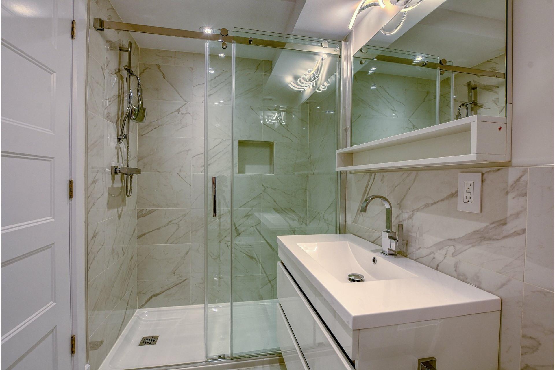 image 26 - Quadruplex For sale Verdun/Île-des-Soeurs Montréal  - 6 rooms