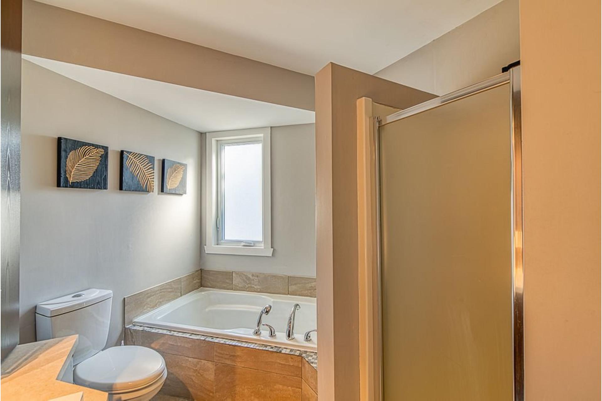 image 16 - House For sale Sainte-Anne-des-Plaines - 10 rooms