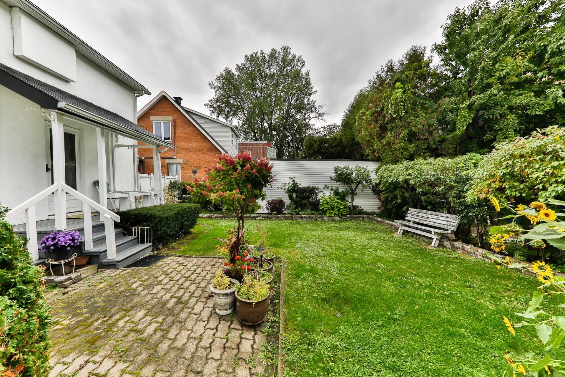 image 15 - House For sale Ahuntsic-Cartierville Montréal  - 8 rooms