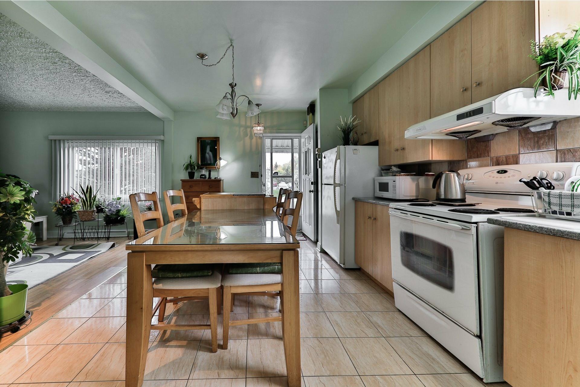 image 1 - House For sale Ahuntsic-Cartierville Montréal  - 8 rooms