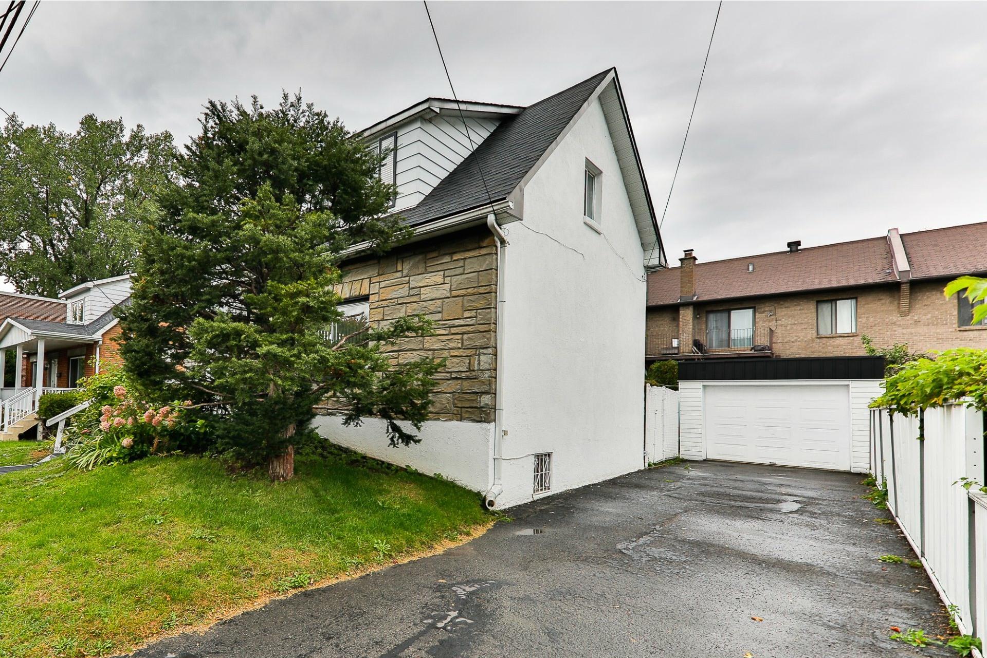 image 18 - House For sale Ahuntsic-Cartierville Montréal  - 8 rooms