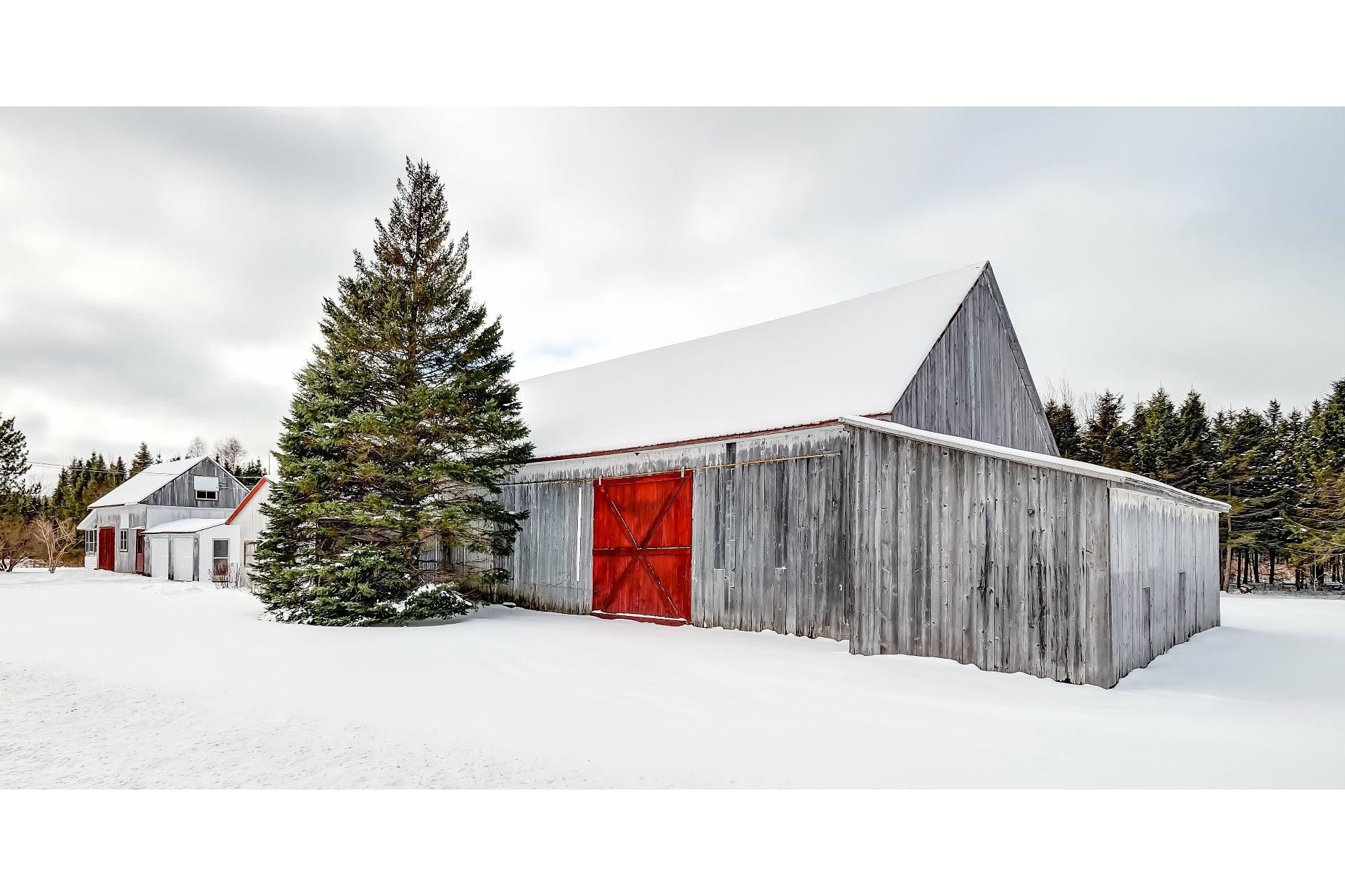 image 4 - Farmhouse For sale Saint-Stanislas - 12 rooms