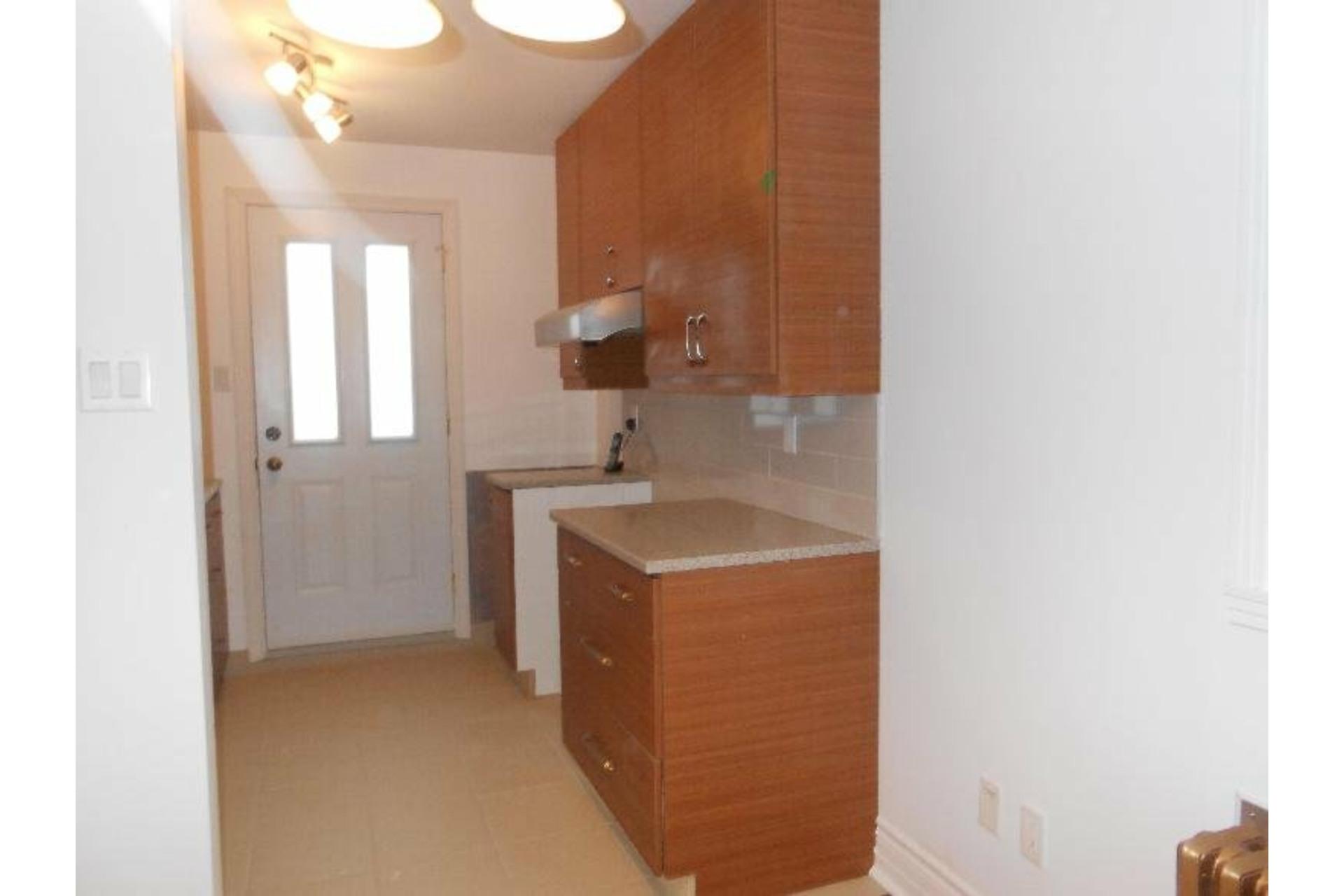 image 7 - Appartement À louer Montréal-Nord Montréal  - 3 pièces