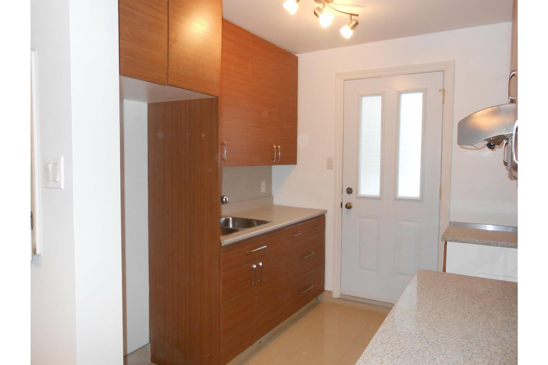 image 4 - Appartement À louer Montréal-Nord Montréal  - 3 pièces