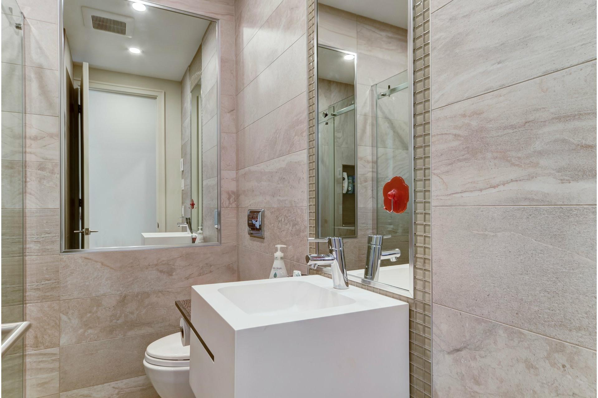 image 12 - Appartement À louer Côte-des-Neiges/Notre-Dame-de-Grâce Montréal  - 10 pièces