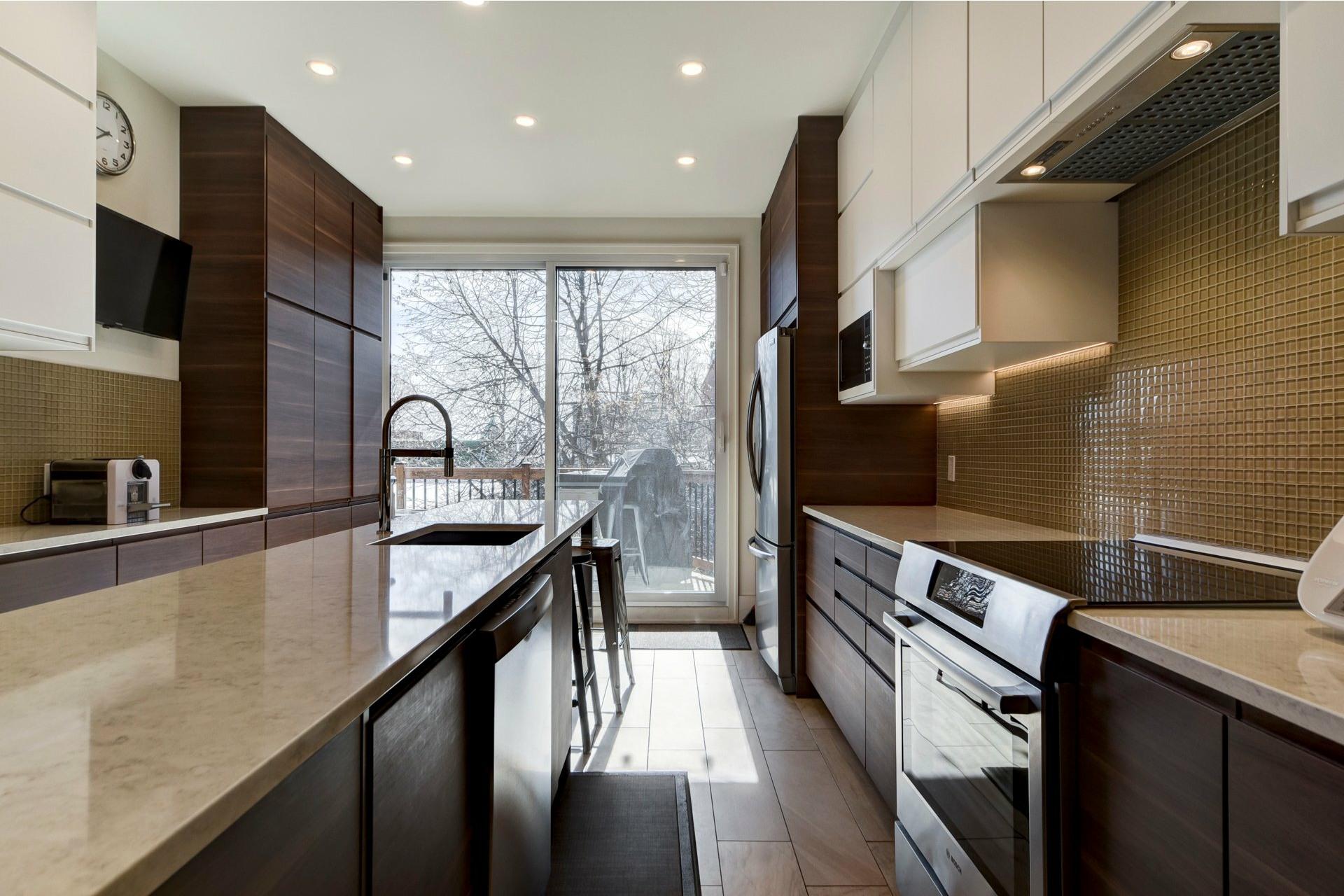 image 7 - Appartement À louer Côte-des-Neiges/Notre-Dame-de-Grâce Montréal  - 10 pièces