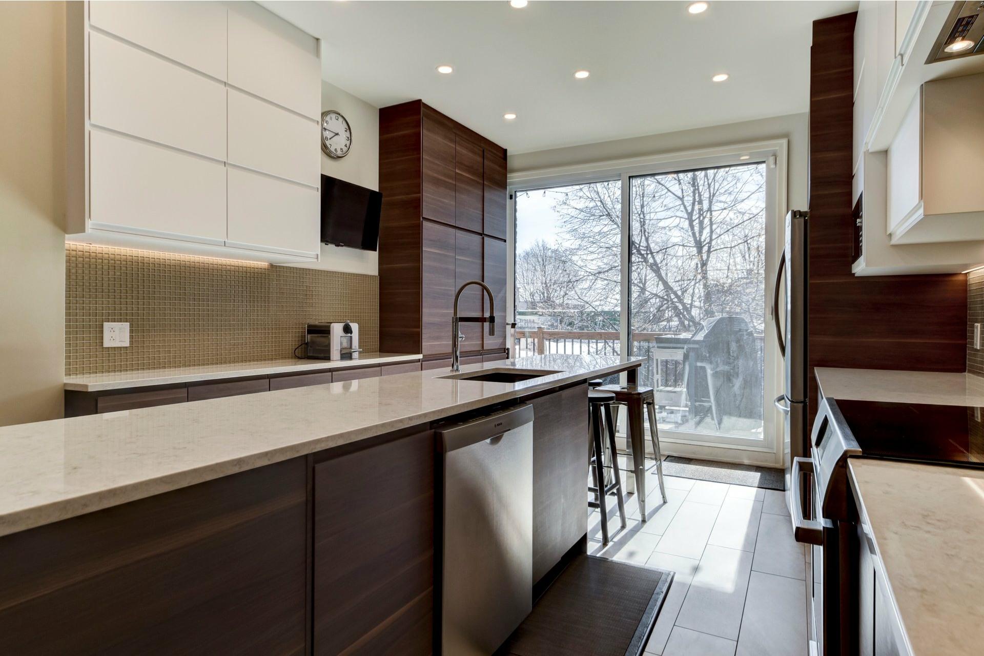 image 8 - Appartement À louer Côte-des-Neiges/Notre-Dame-de-Grâce Montréal  - 10 pièces