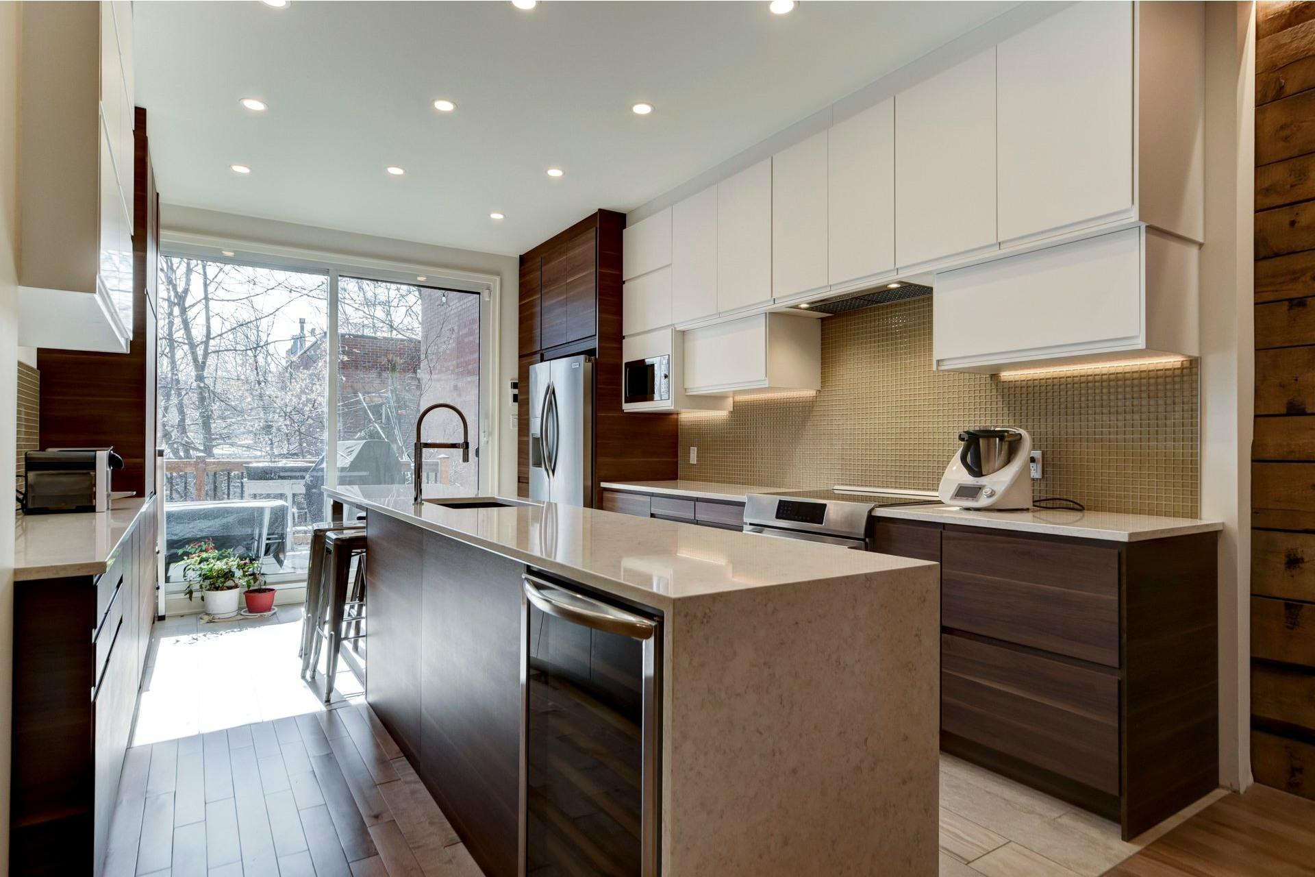 image 6 - Appartement À louer Côte-des-Neiges/Notre-Dame-de-Grâce Montréal  - 10 pièces