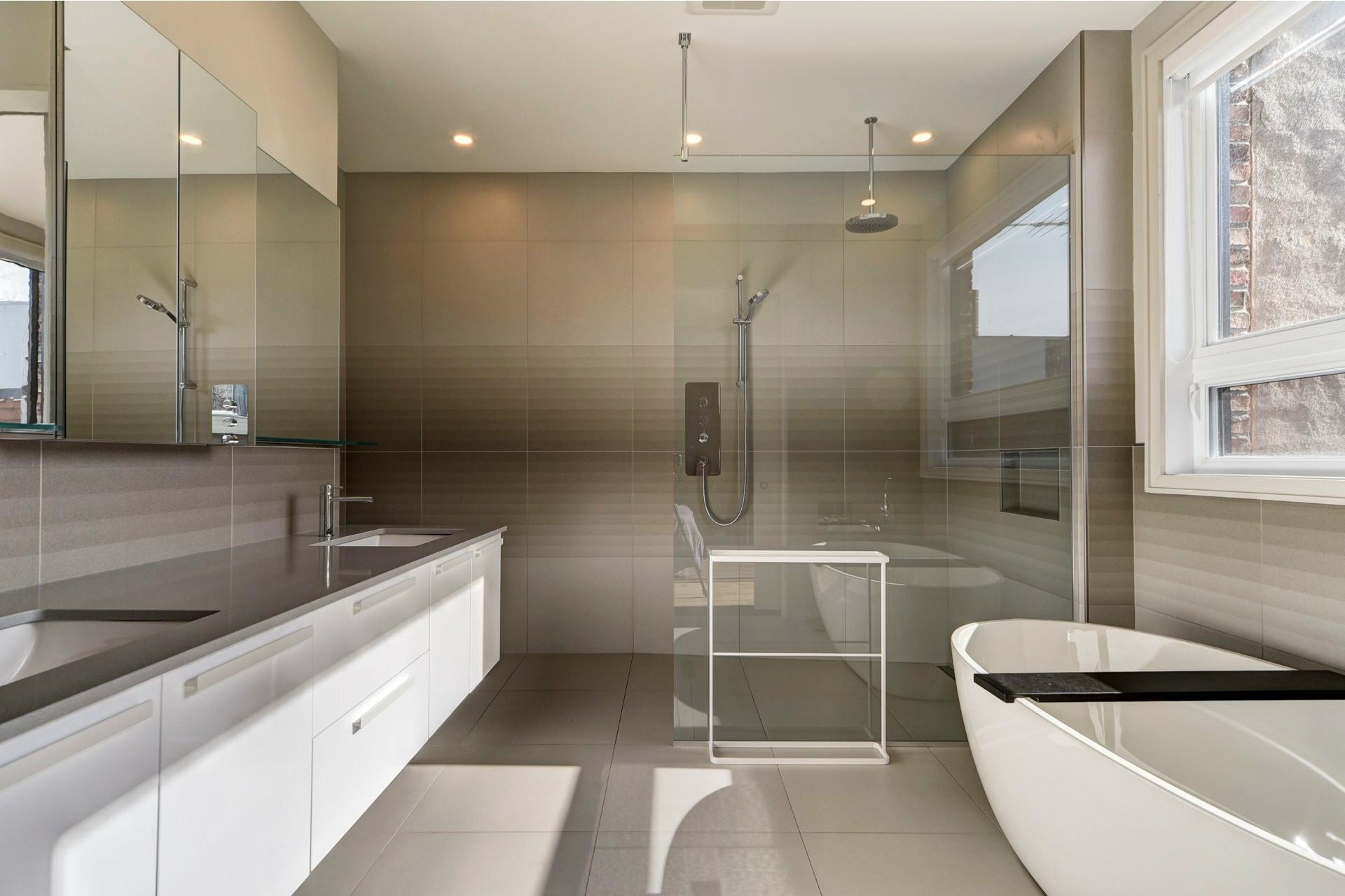 image 21 - Appartement À louer Côte-des-Neiges/Notre-Dame-de-Grâce Montréal  - 10 pièces