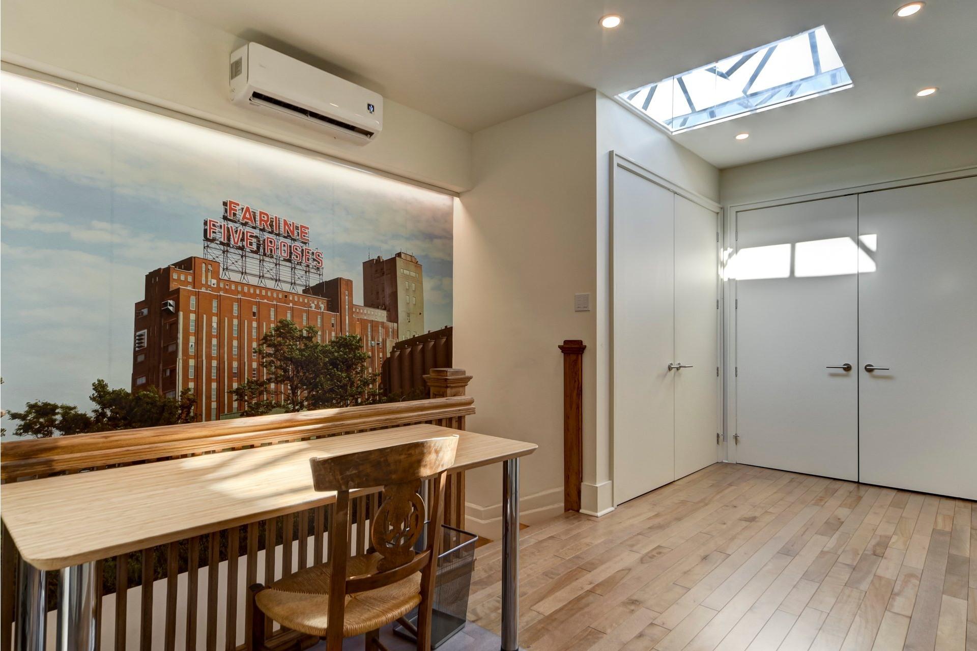 image 17 - Appartement À louer Côte-des-Neiges/Notre-Dame-de-Grâce Montréal  - 10 pièces