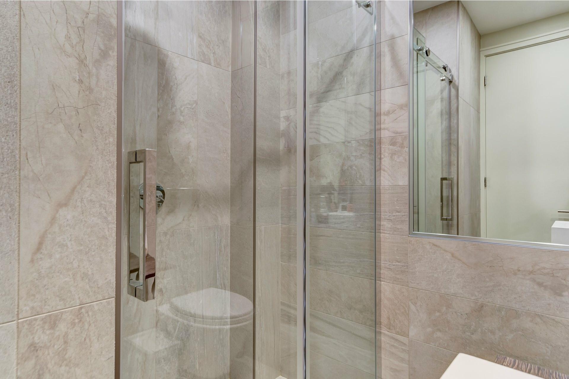 image 13 - Appartement À louer Côte-des-Neiges/Notre-Dame-de-Grâce Montréal  - 10 pièces