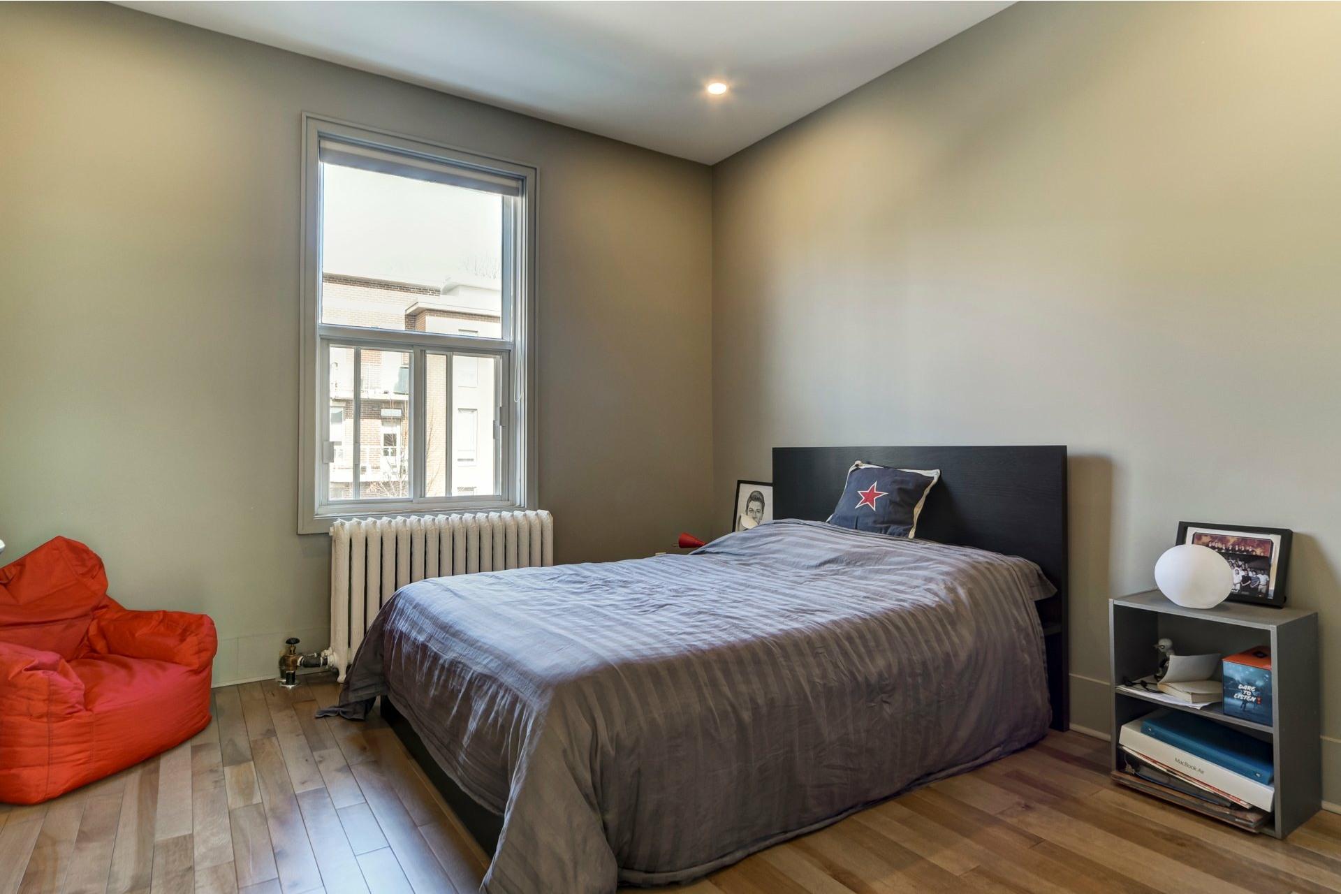 image 22 - Appartement À louer Côte-des-Neiges/Notre-Dame-de-Grâce Montréal  - 10 pièces