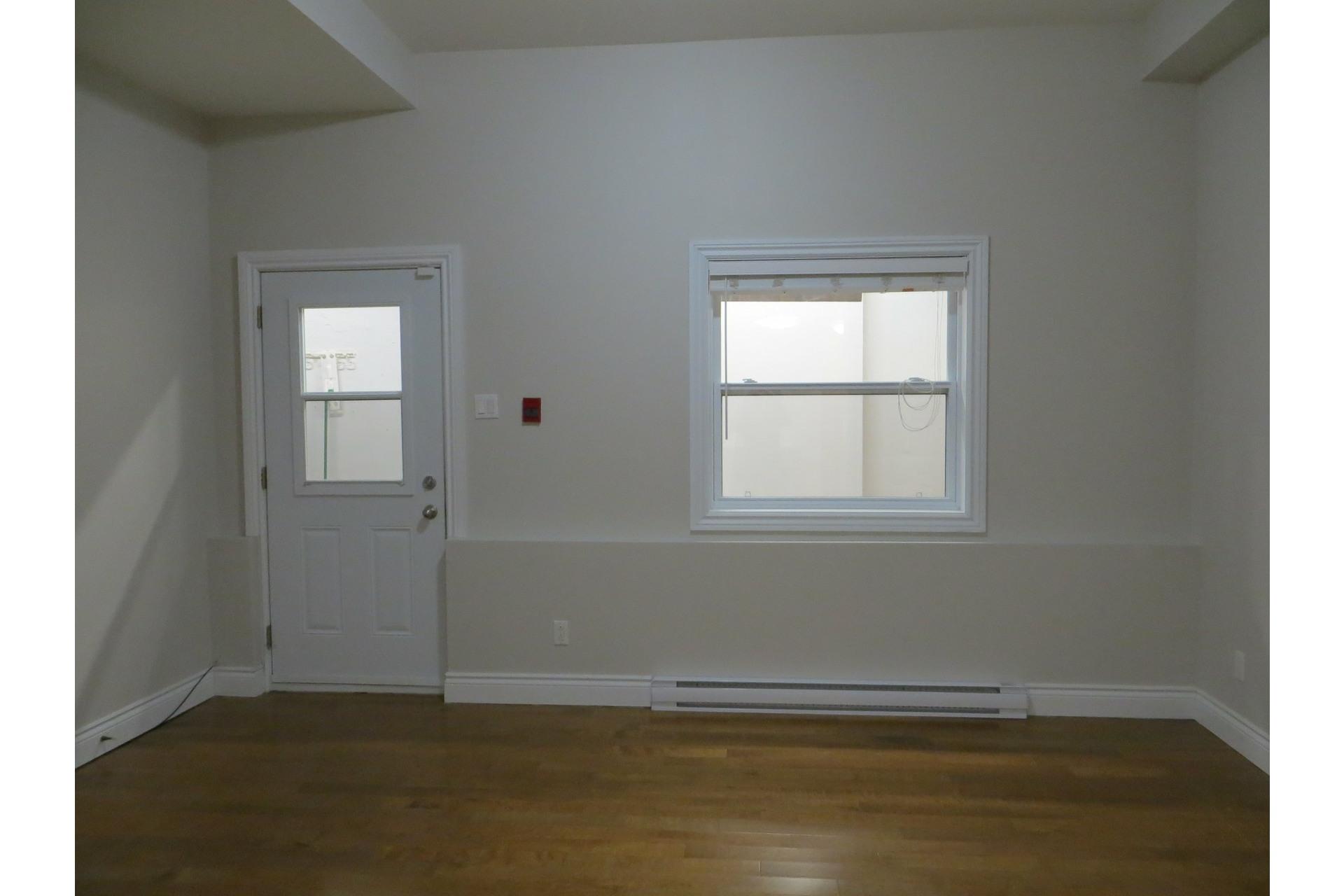 image 2 - Apartment For sale Côte-des-Neiges/Notre-Dame-de-Grâce Montréal  - 6 rooms