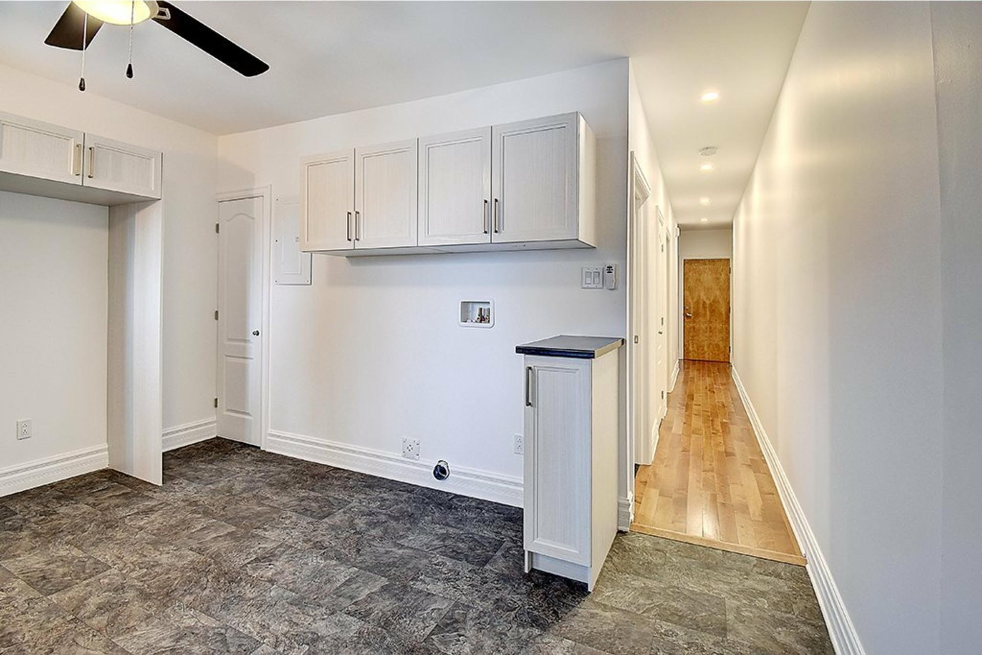 image 6 - Apartment For rent Le Sud-Ouest Montréal  - 3 rooms