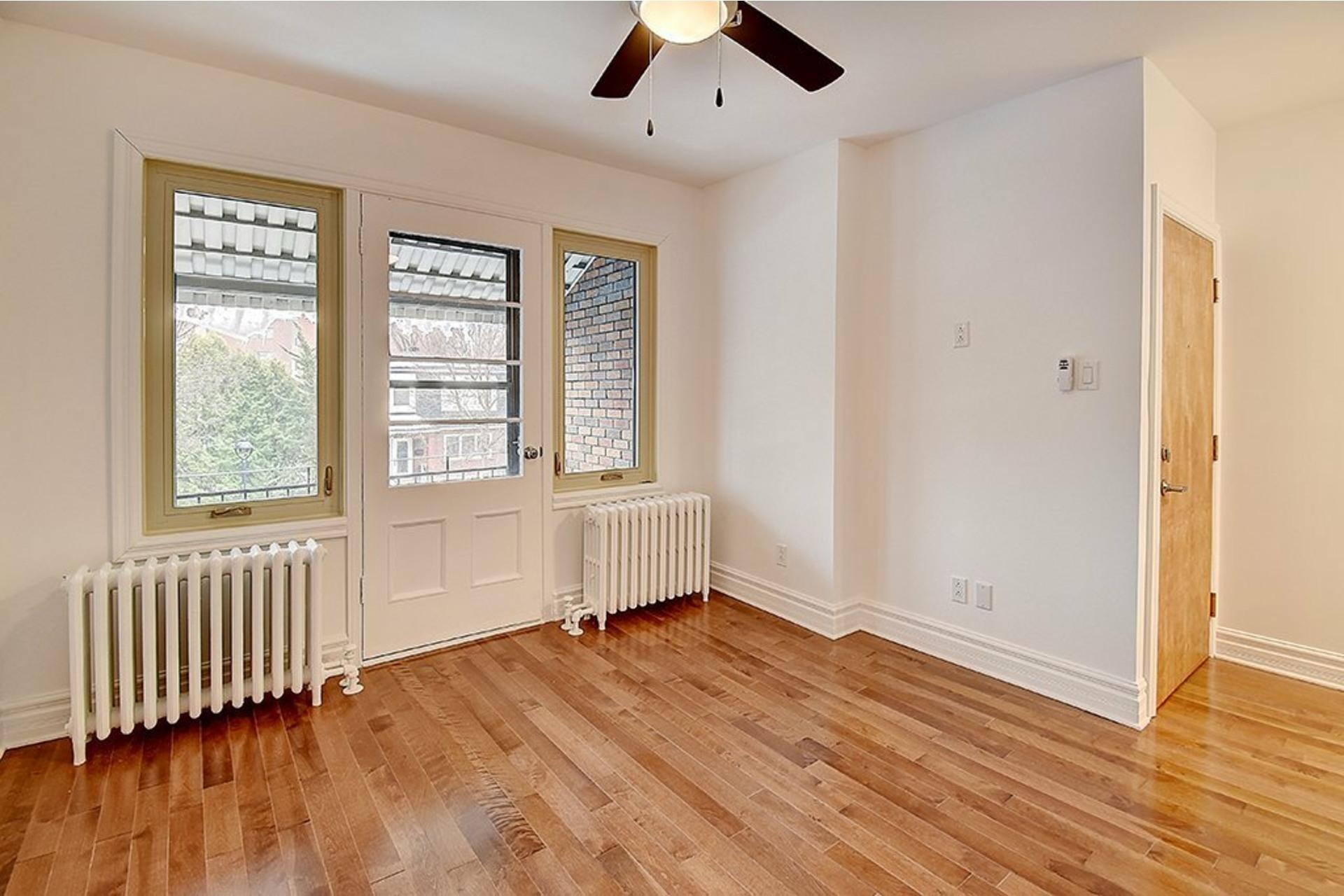 image 2 - Apartment For rent Le Sud-Ouest Montréal  - 3 rooms