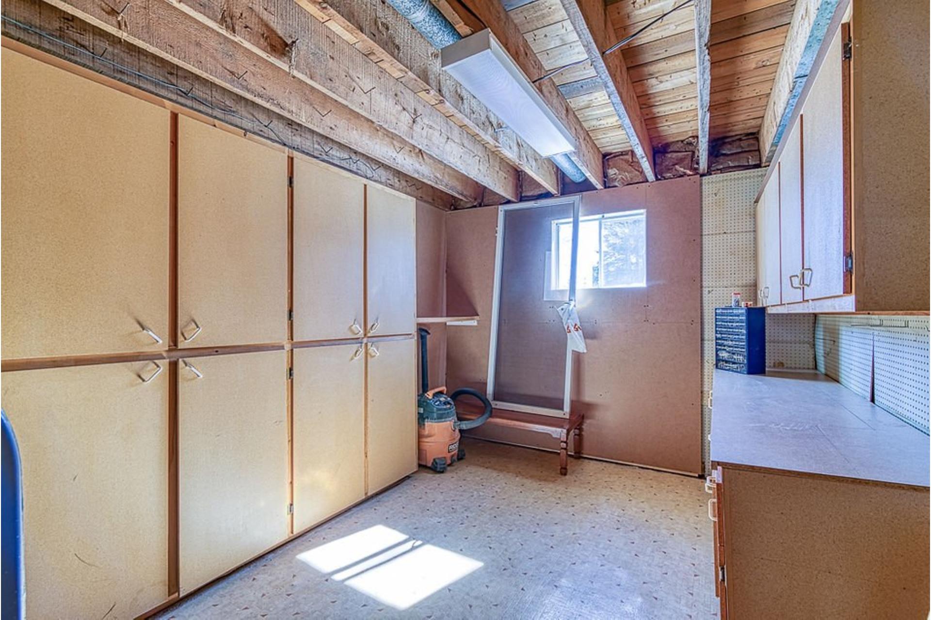 image 25 - Maison À vendre Sainte-Julienne - 12 pièces