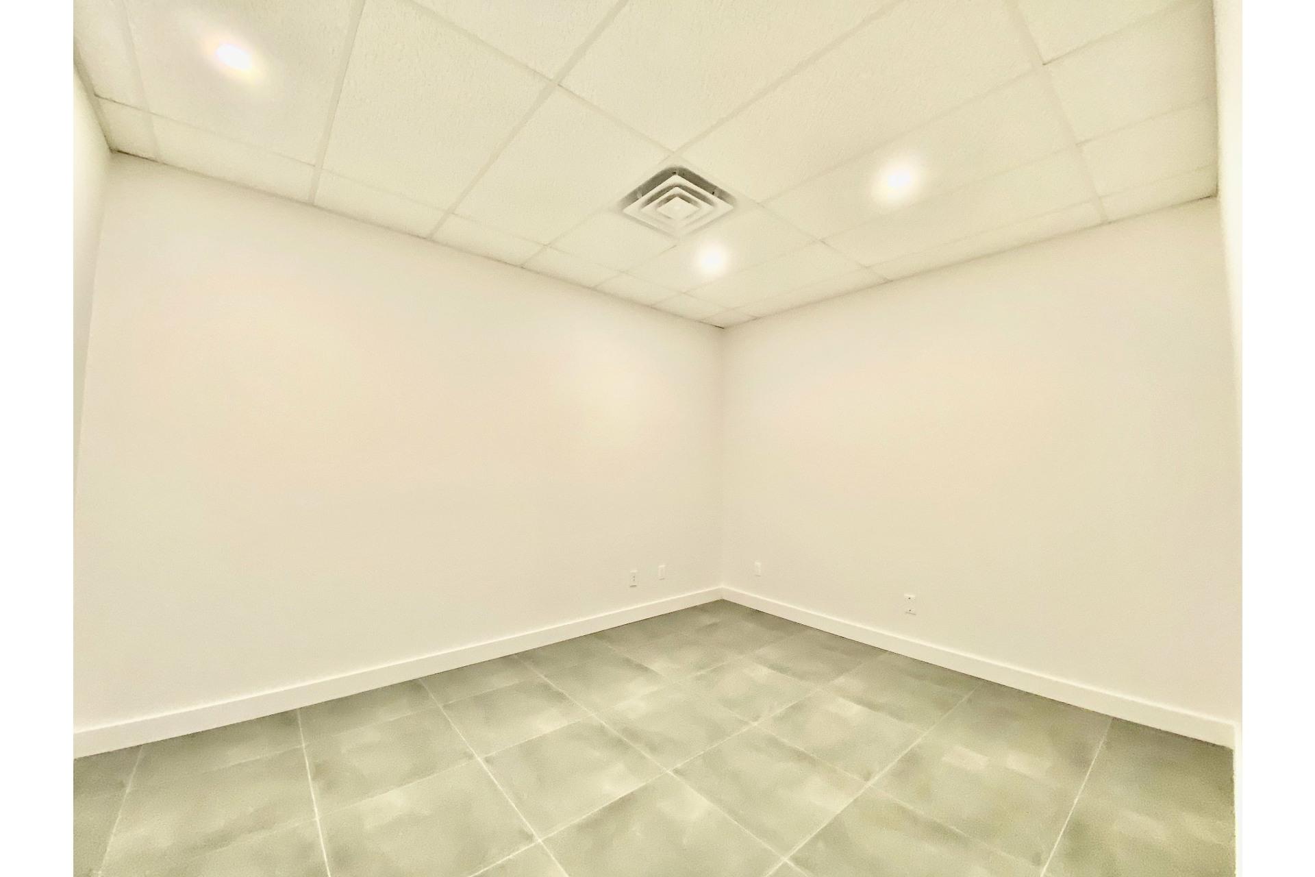 image 10 - 办公室 出租 Pierrefonds-Roxboro Montréal