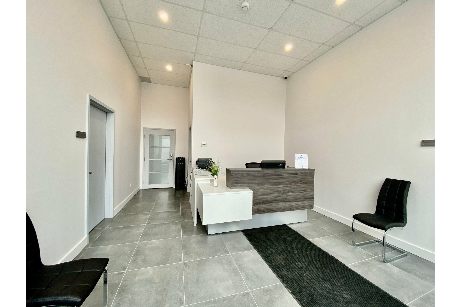 image 0 - 办公室 出租 Pierrefonds-Roxboro Montréal