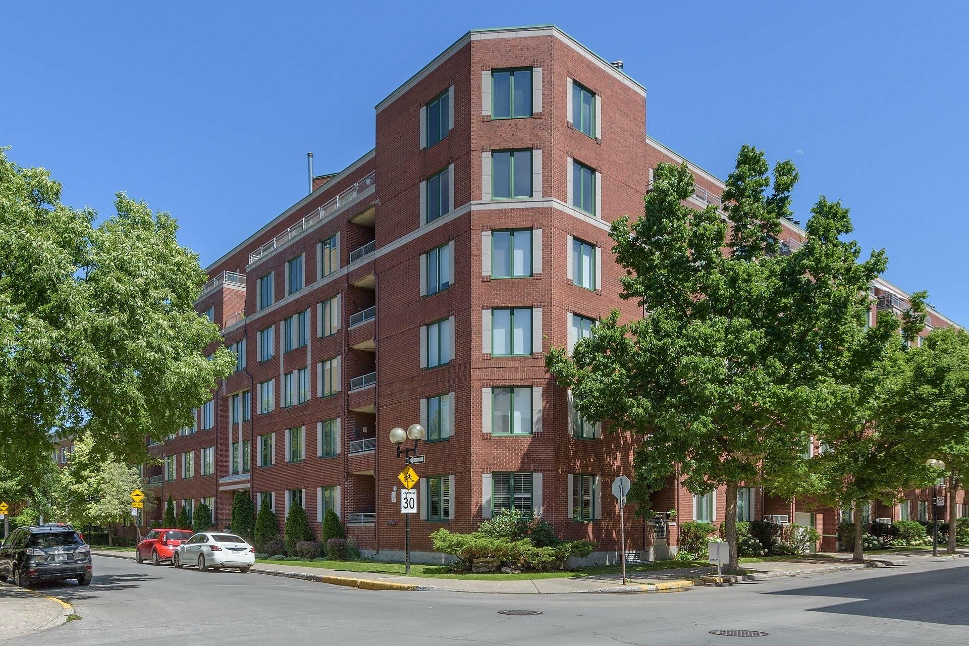 image 20 - Appartement À louer Le Sud-Ouest Montréal  - 5 pièces
