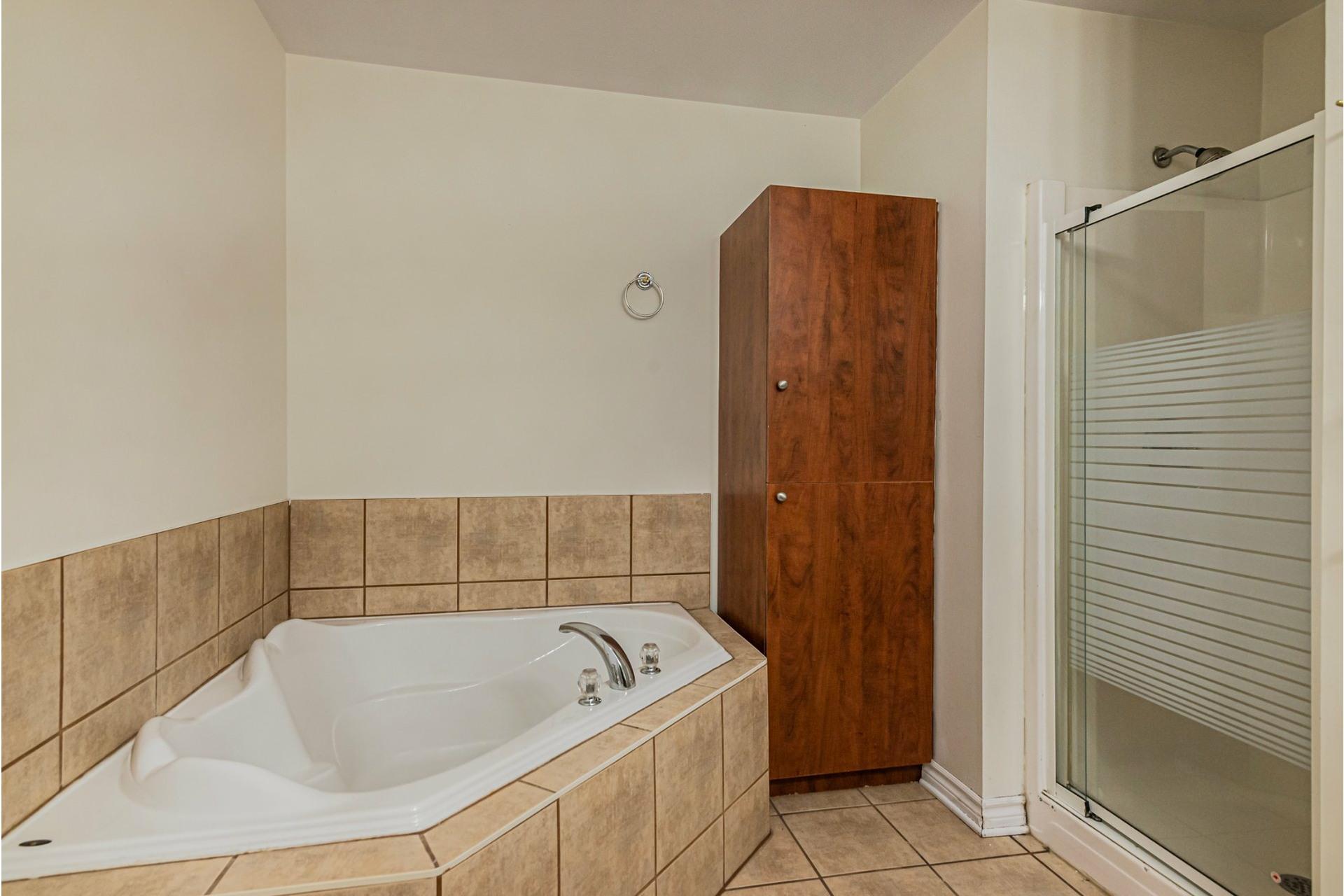 image 13 - Appartement À vendre Pierrefonds-Roxboro Montréal  - 8 pièces