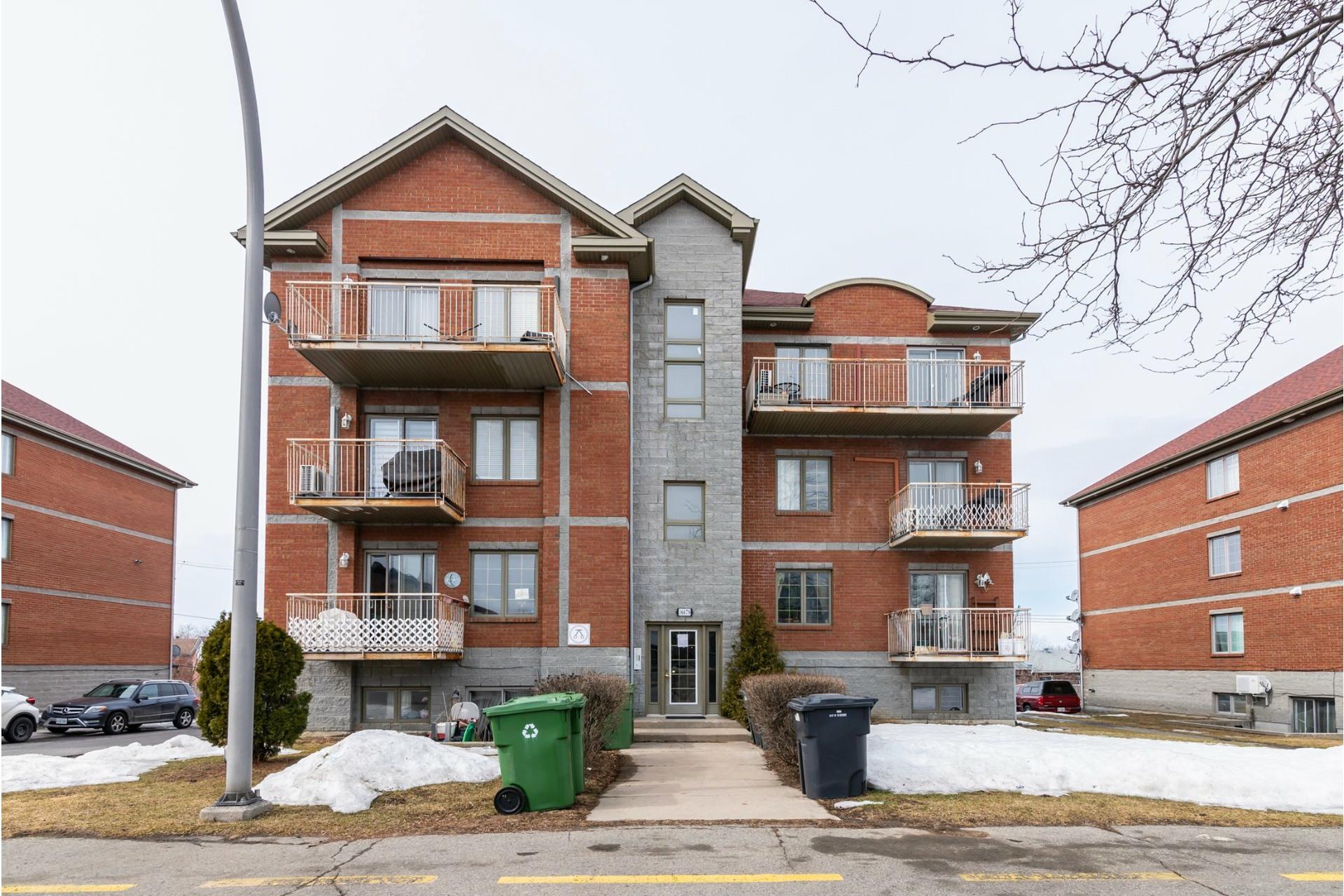 image 0 - Appartement À vendre Pierrefonds-Roxboro Montréal  - 8 pièces