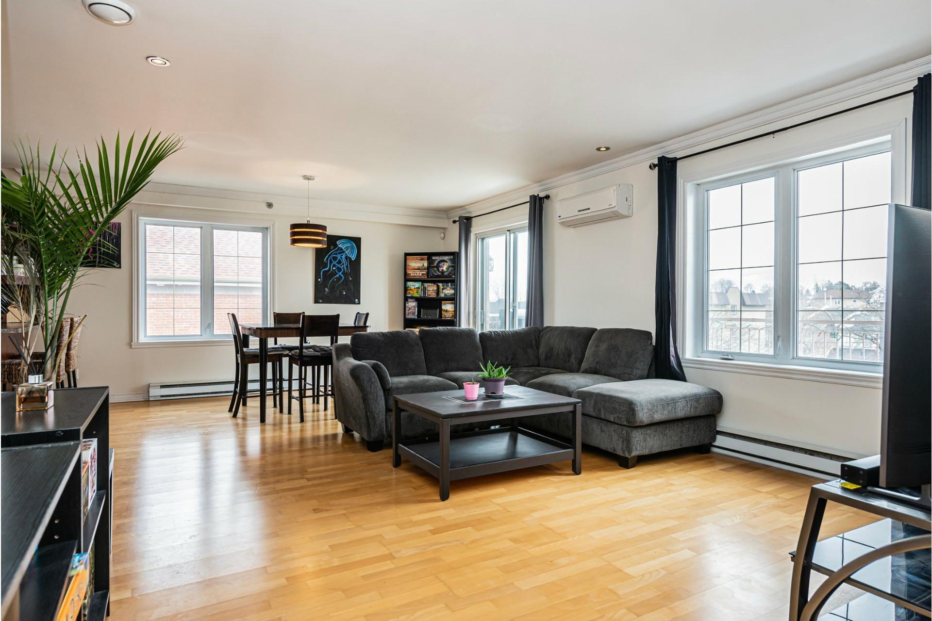 image 1 - Appartement À vendre Pierrefonds-Roxboro Montréal  - 8 pièces