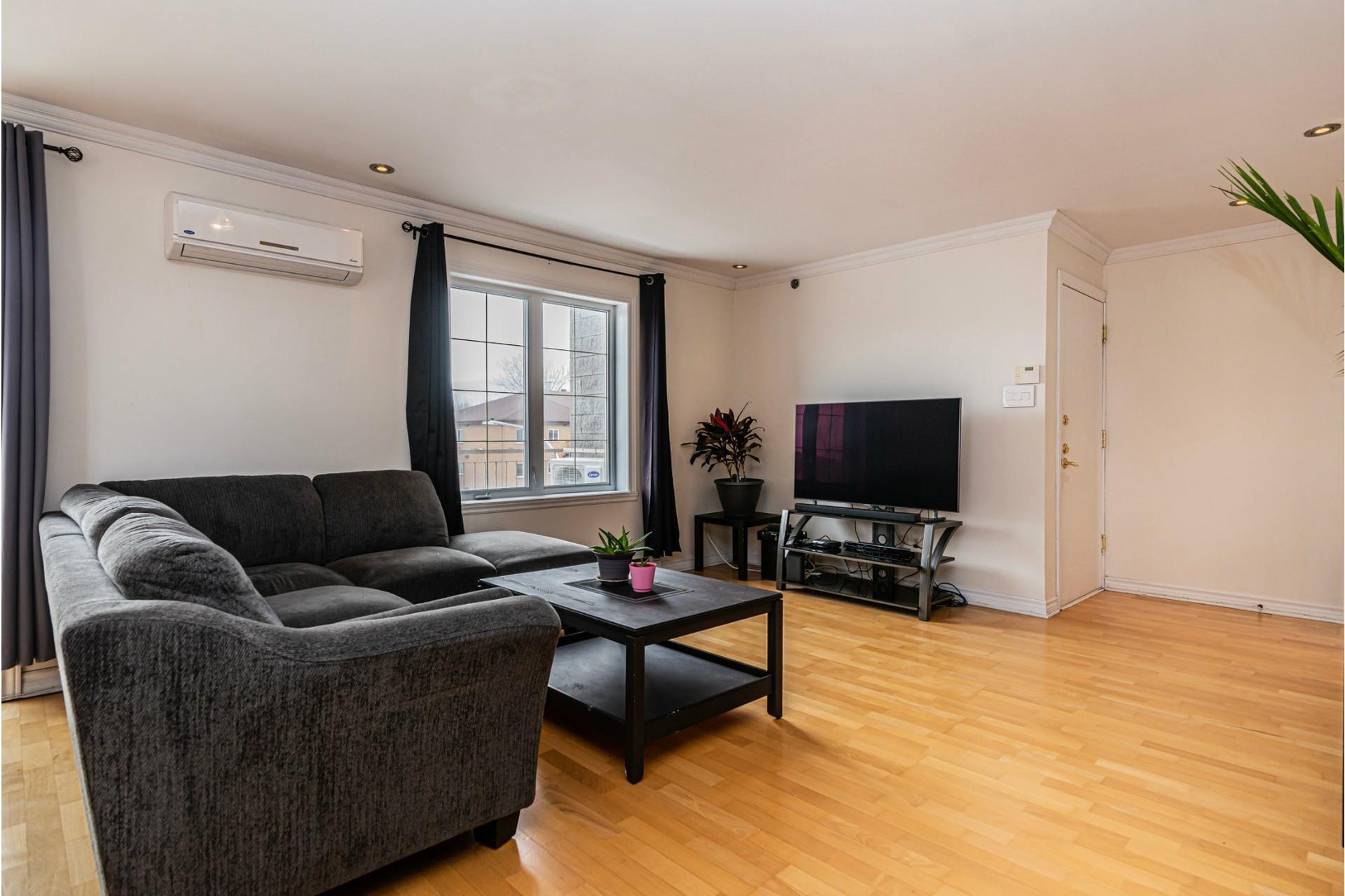 image 2 - Appartement À vendre Pierrefonds-Roxboro Montréal  - 8 pièces