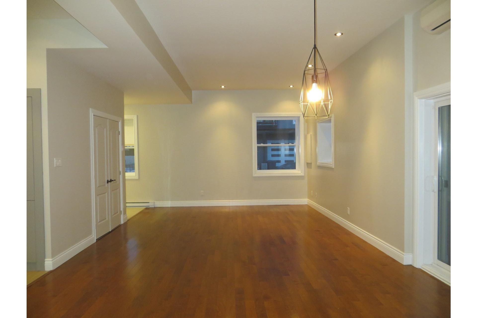 image 27 - Appartement À vendre Côte-des-Neiges/Notre-Dame-de-Grâce Montréal  - 5 pièces