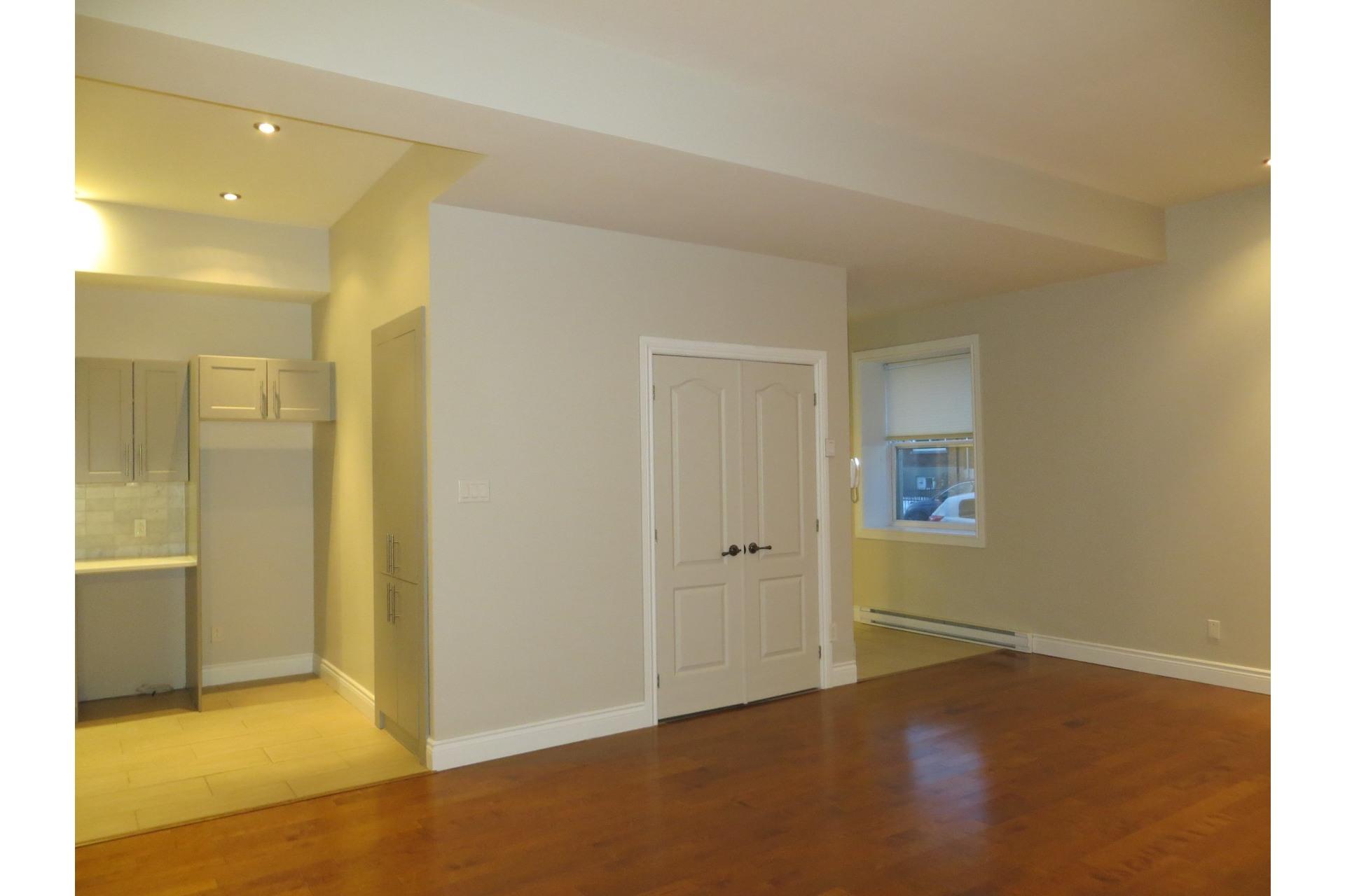 image 26 - Appartement À vendre Côte-des-Neiges/Notre-Dame-de-Grâce Montréal  - 5 pièces
