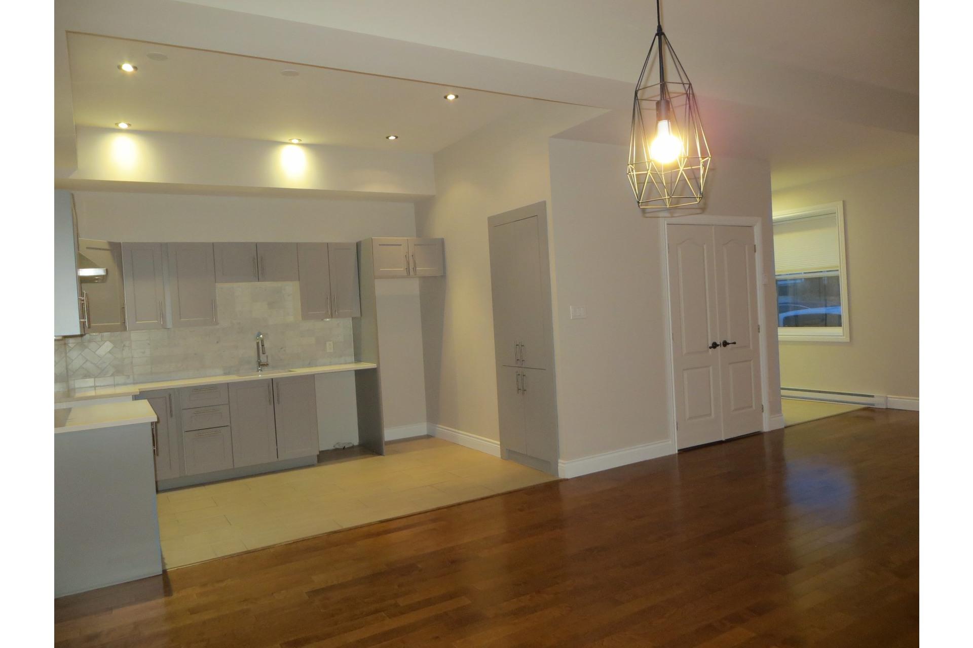 image 24 - Appartement À vendre Côte-des-Neiges/Notre-Dame-de-Grâce Montréal  - 5 pièces