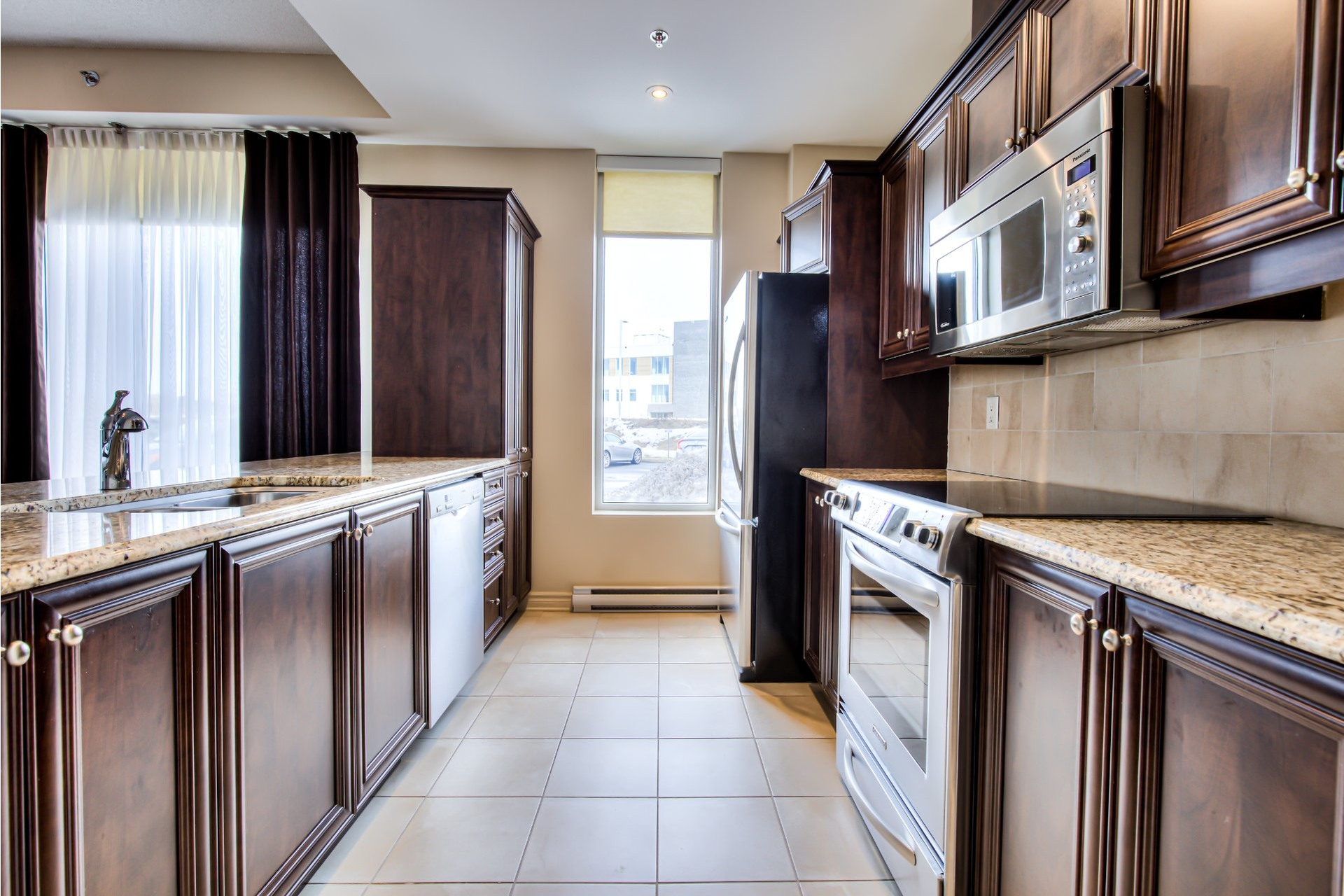 Apartment For sale Vaudreuil-Dorion - 8 rooms