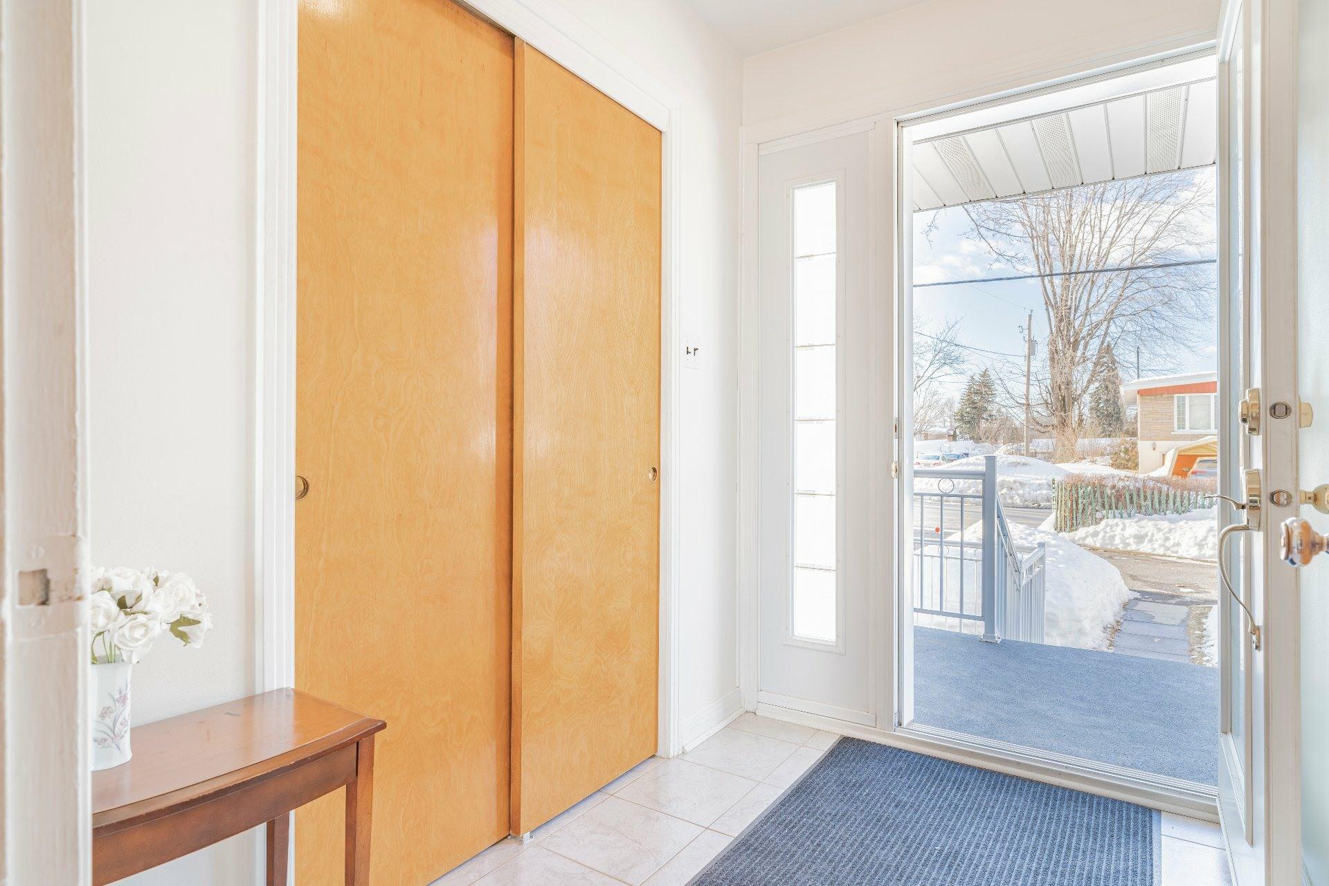 image 4 - Maison À vendre Duvernay Laval  - 9 pièces