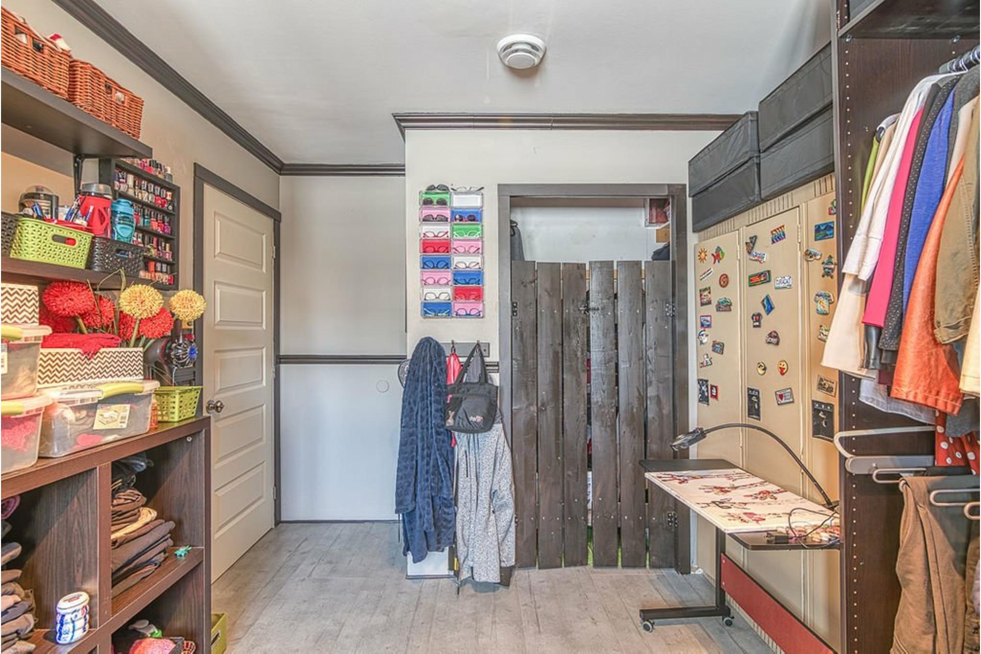 image 18 - Maison À vendre Sainte-Anne-des-Plaines - 11 pièces