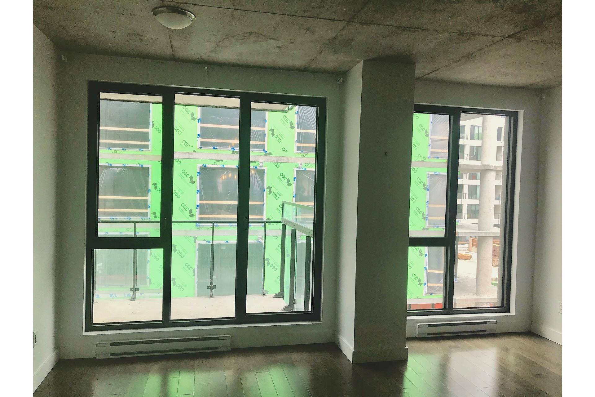 image 8 - Appartement À vendre Villeray/Saint-Michel/Parc-Extension Montréal  - 4 pièces