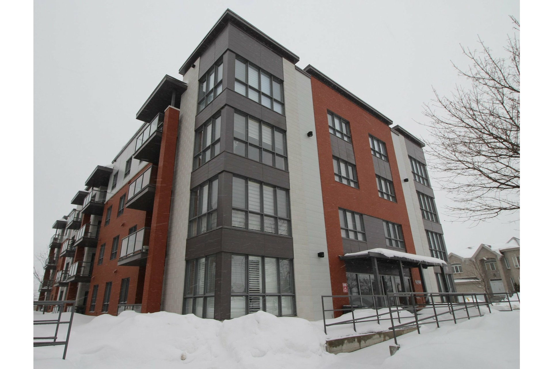 image 24 - Appartement À louer Rivière-des-Prairies/Pointe-aux-Trembles Montréal  - 6 pièces