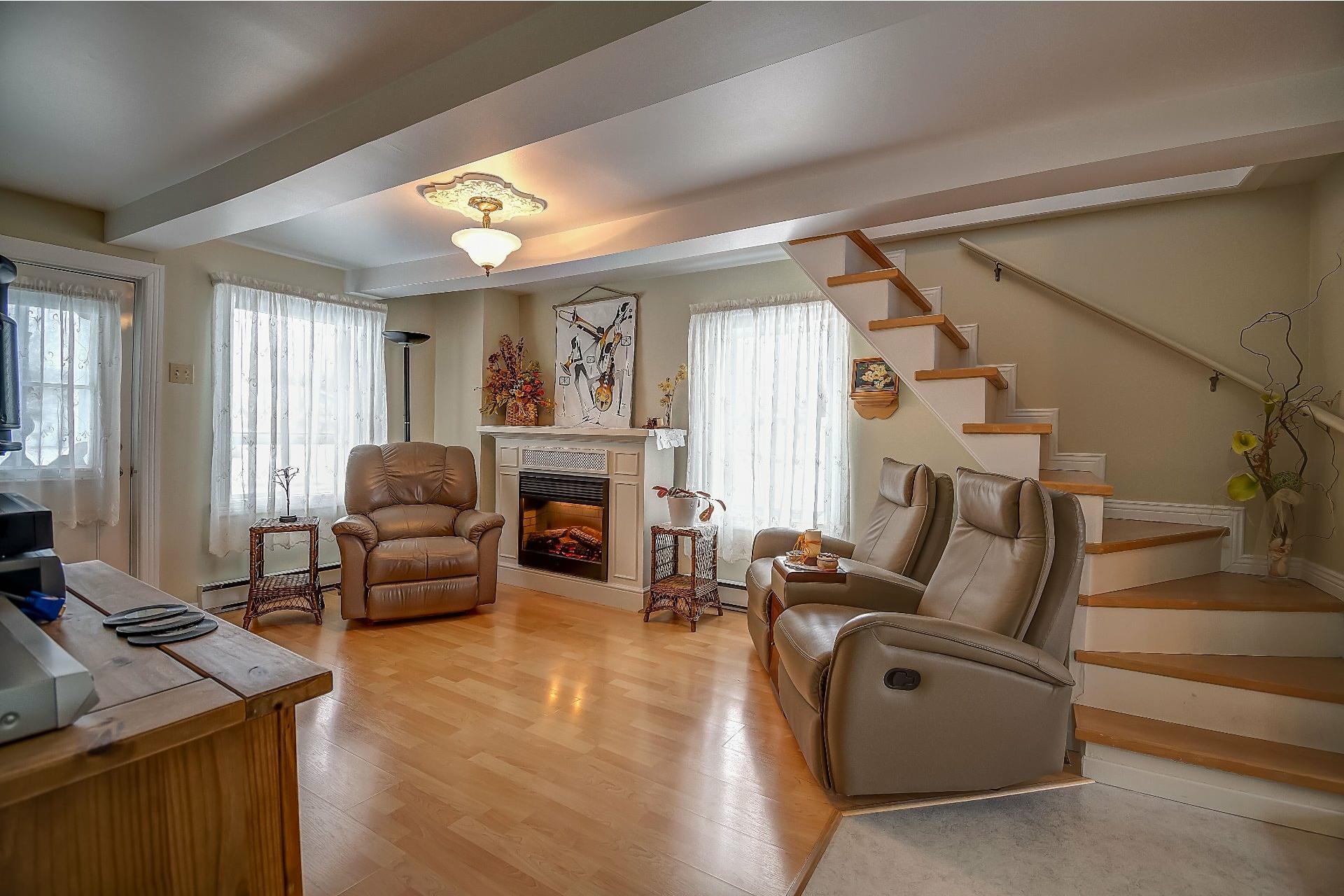 image 21 - House For sale Maskinongé - 12 rooms