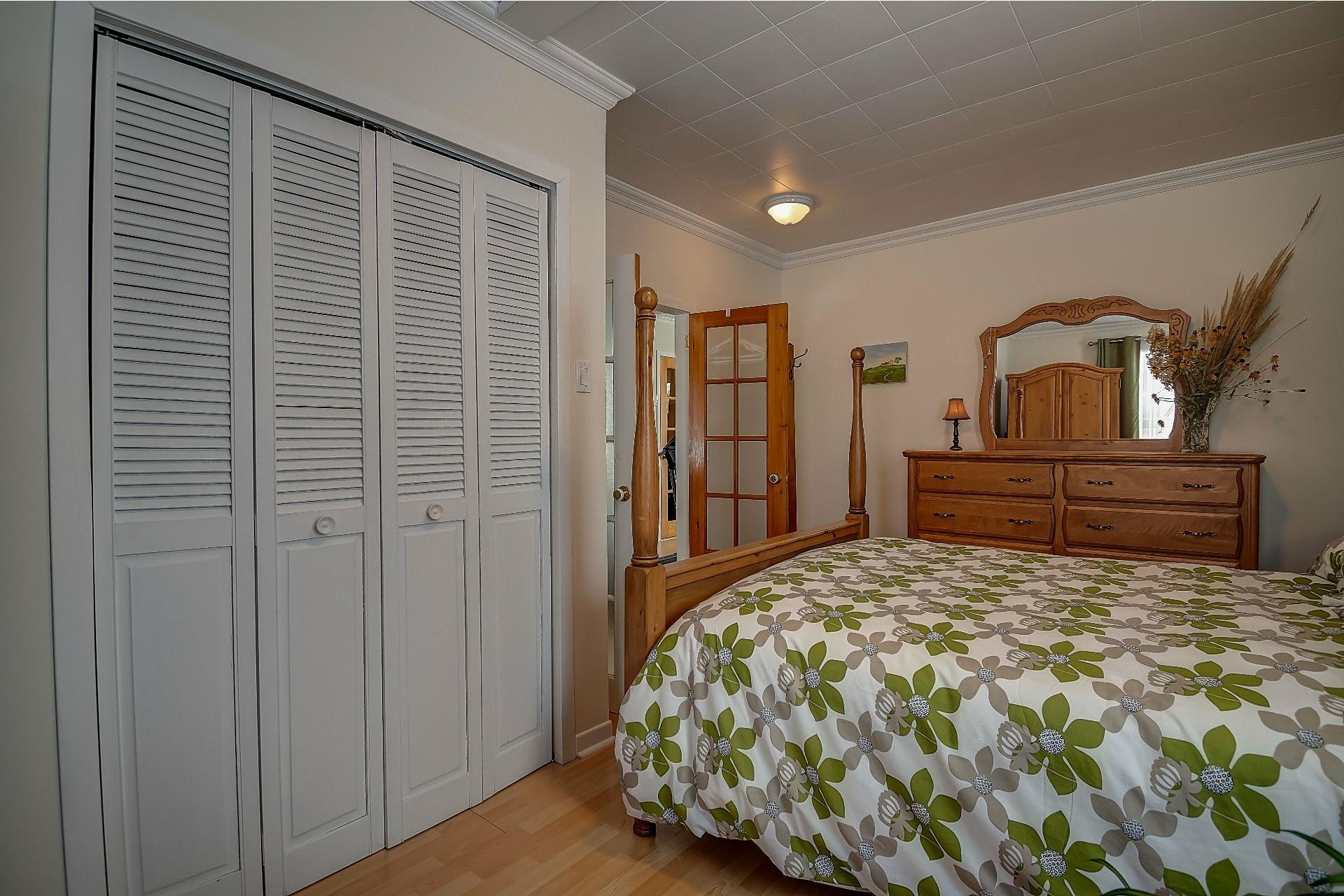 image 16 - House For sale Maskinongé - 12 rooms