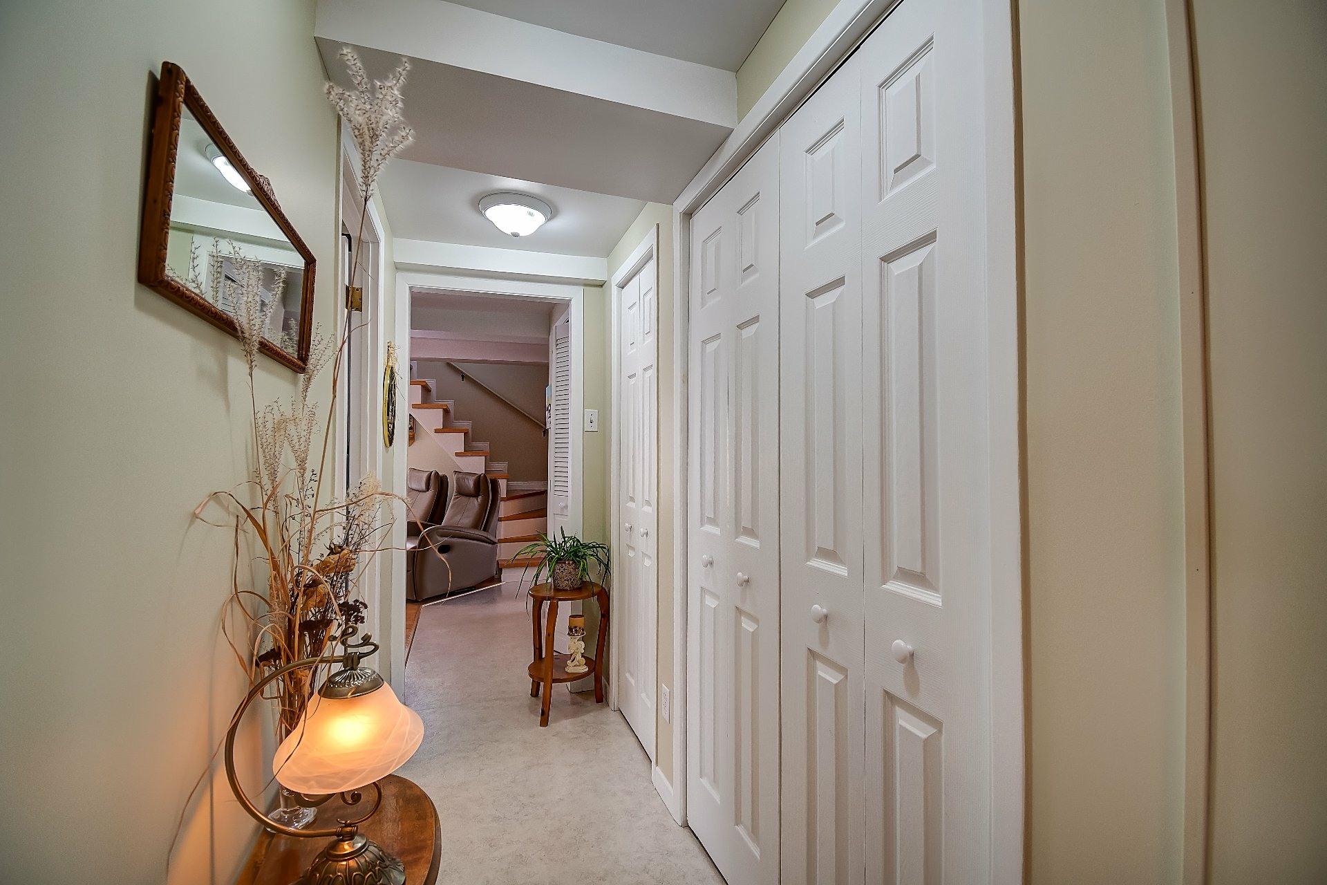 image 17 - House For sale Maskinongé - 12 rooms