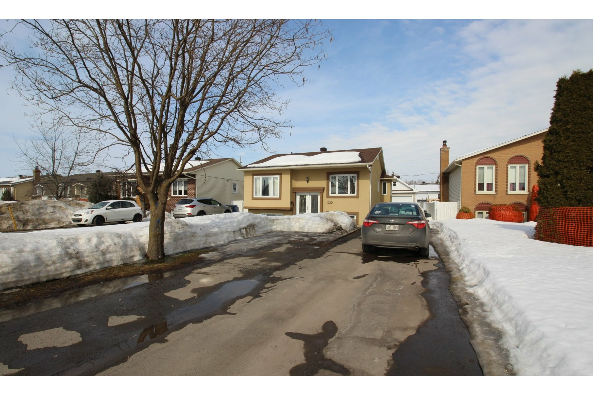 image 1 - House For sale Le Gardeur Repentigny  - 10 rooms