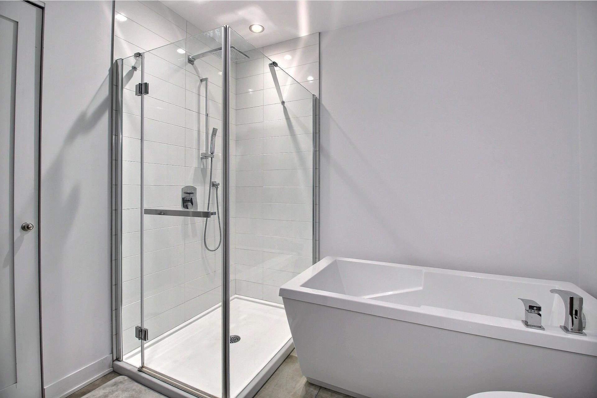 image 15 - Apartment For sale Ville-Marie Montréal  - 3 rooms