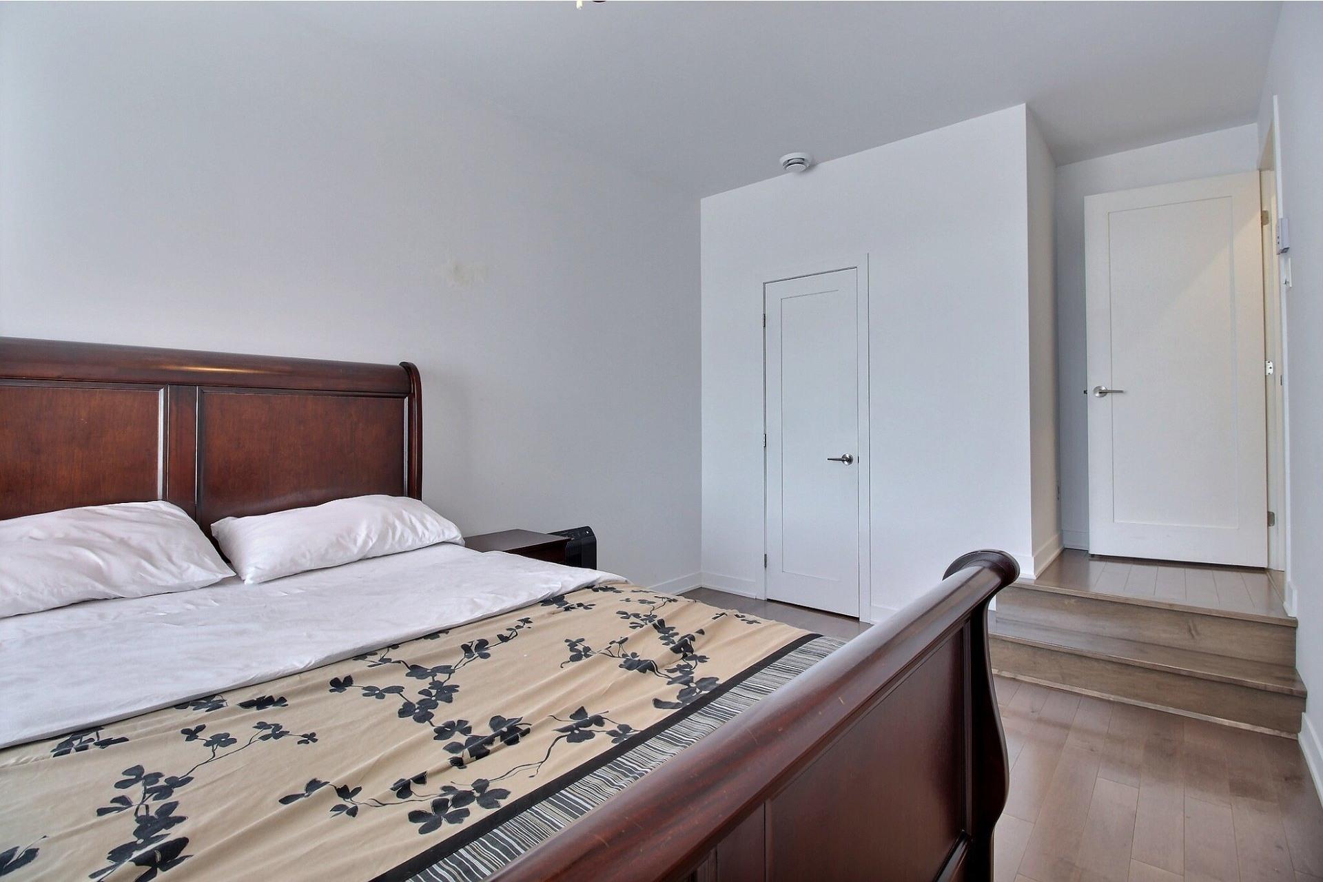 image 18 - Apartment For sale Ville-Marie Montréal  - 3 rooms